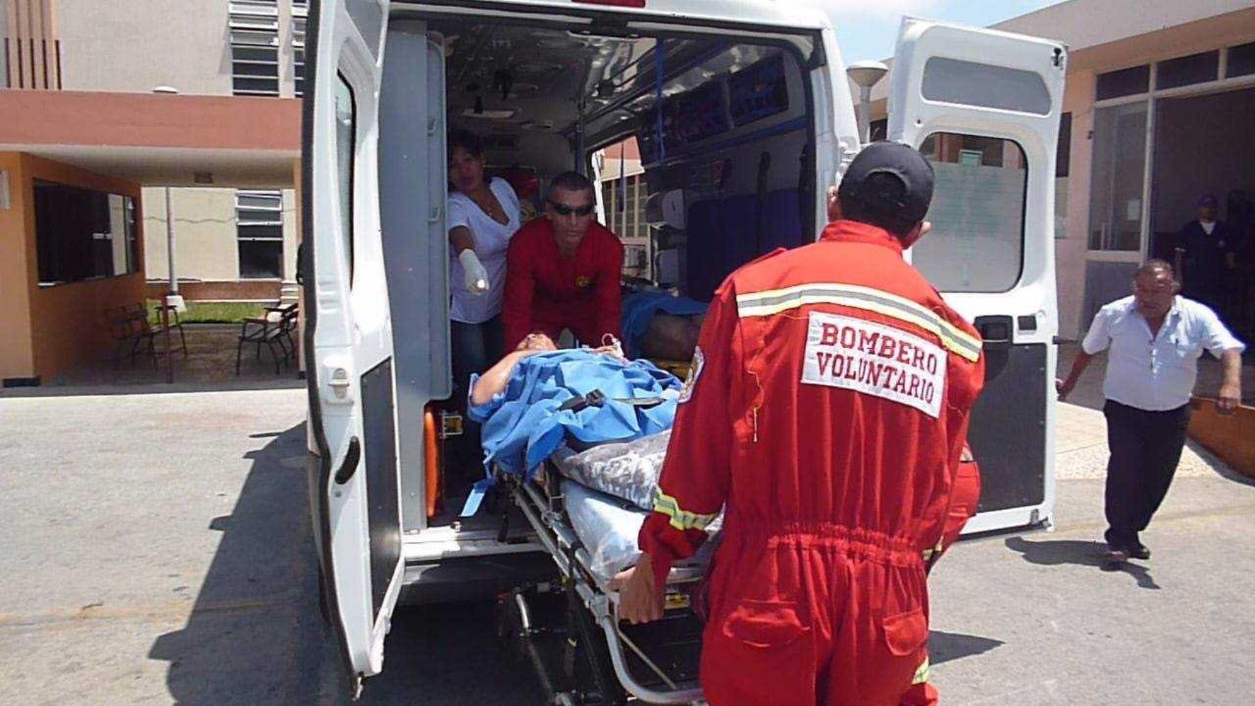 despiste en Panamericana Sur, en Ica, deja al menos 40 personas heridas. ANDINA/Difusión