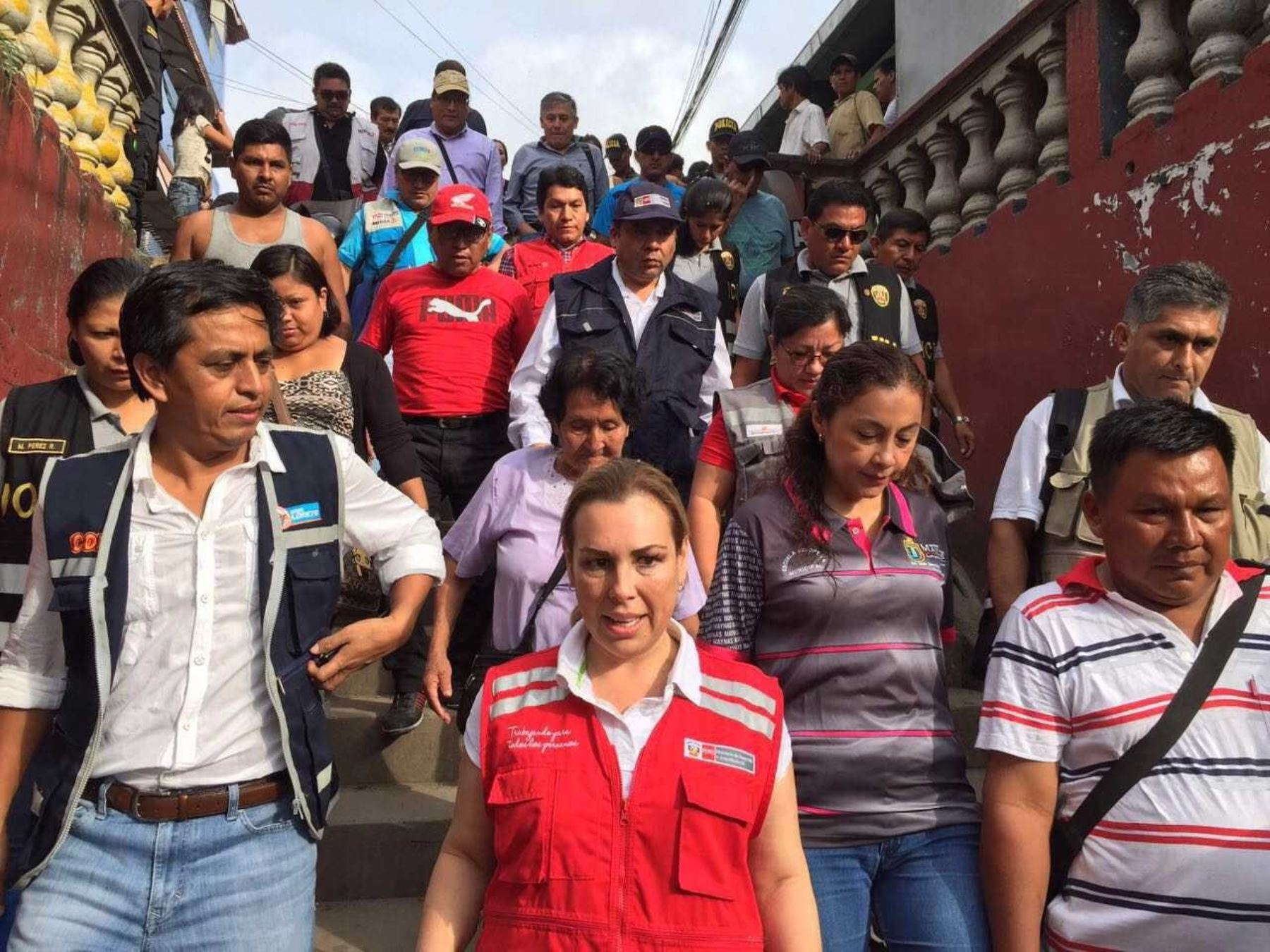 Titular del Midis sigue coordinando la ayuda humanitaria en la zona del siniestro en Iquitos.Foto: Midis