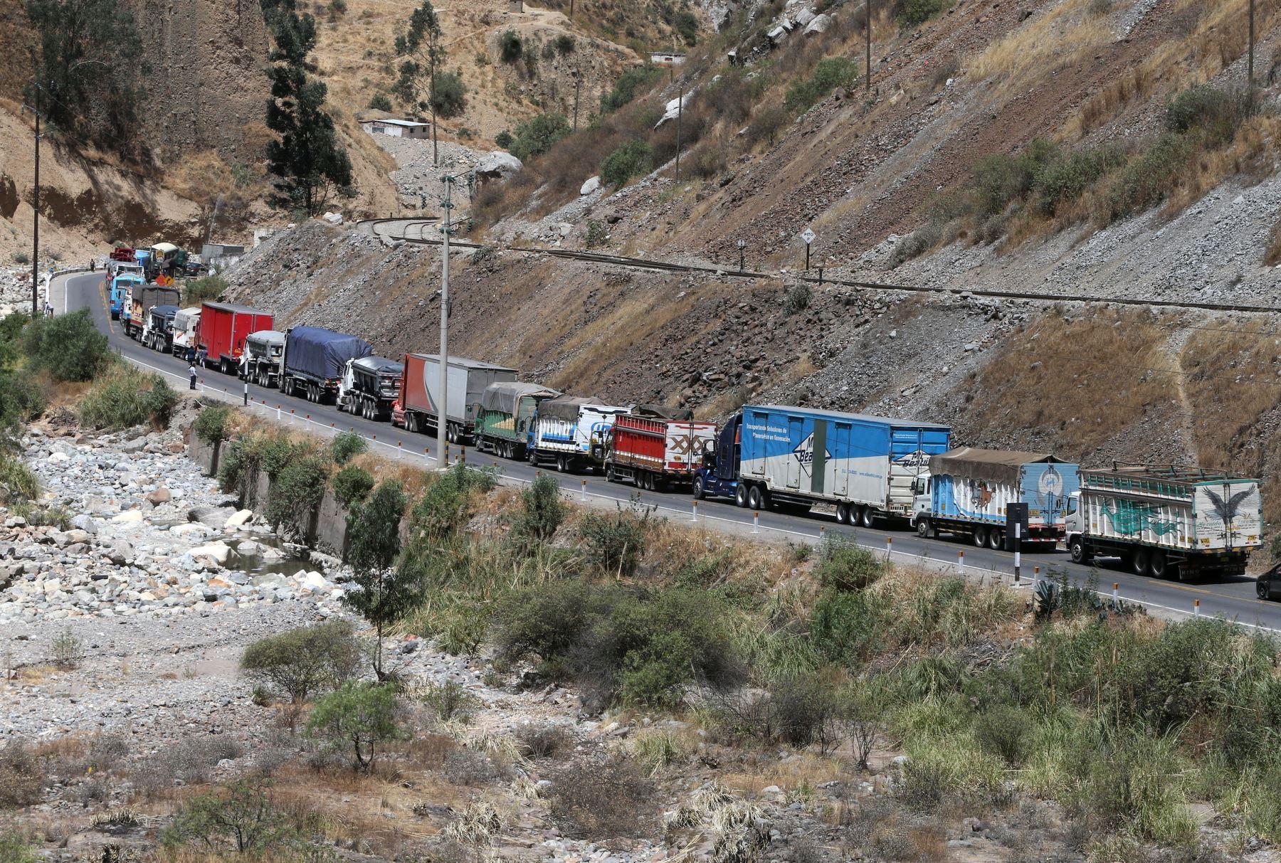 Ticlio: transportistas bloquean la Carretera Central en protesta contra el peaje