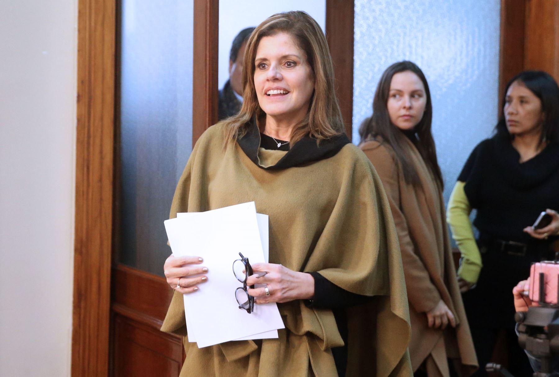 LIMA,PERÚ-SETIEMBRE 19. Mercedes Aráoz, presidenta del Consejo de Ministros brinda primera conferencia después del Consejo de Ministros. Foto: ANDINA/Vidal Tarqui