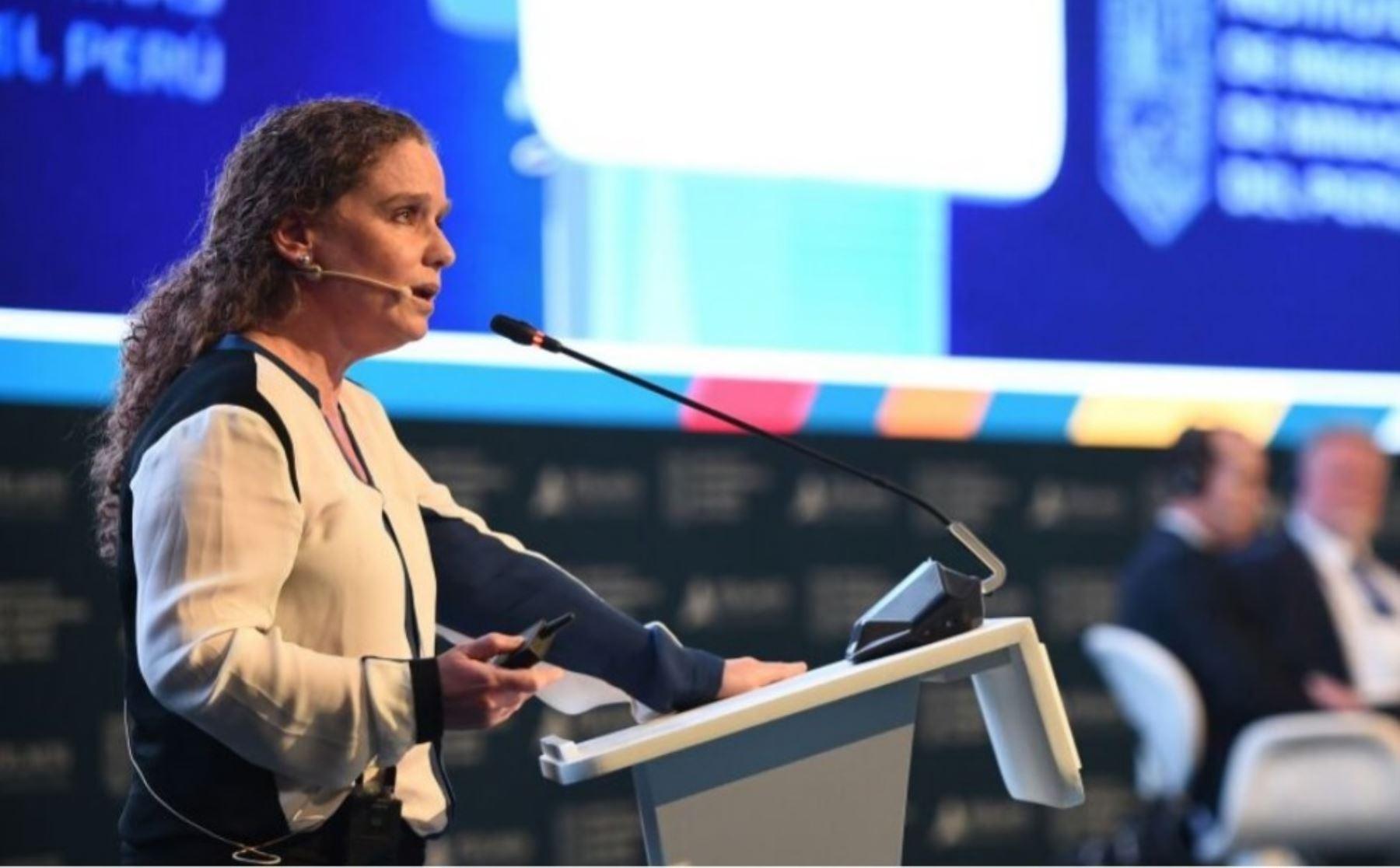 Ministra de Economía y Finanzas, Claudia Cooper. INTERNET/Medios