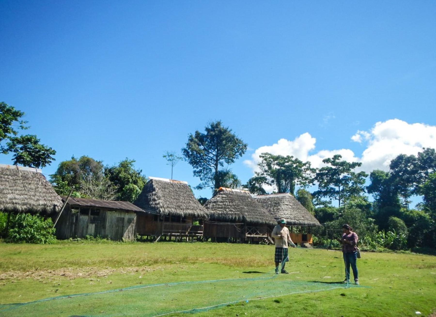 Comunidades indígenas impulsan turismo para conservar bosques.