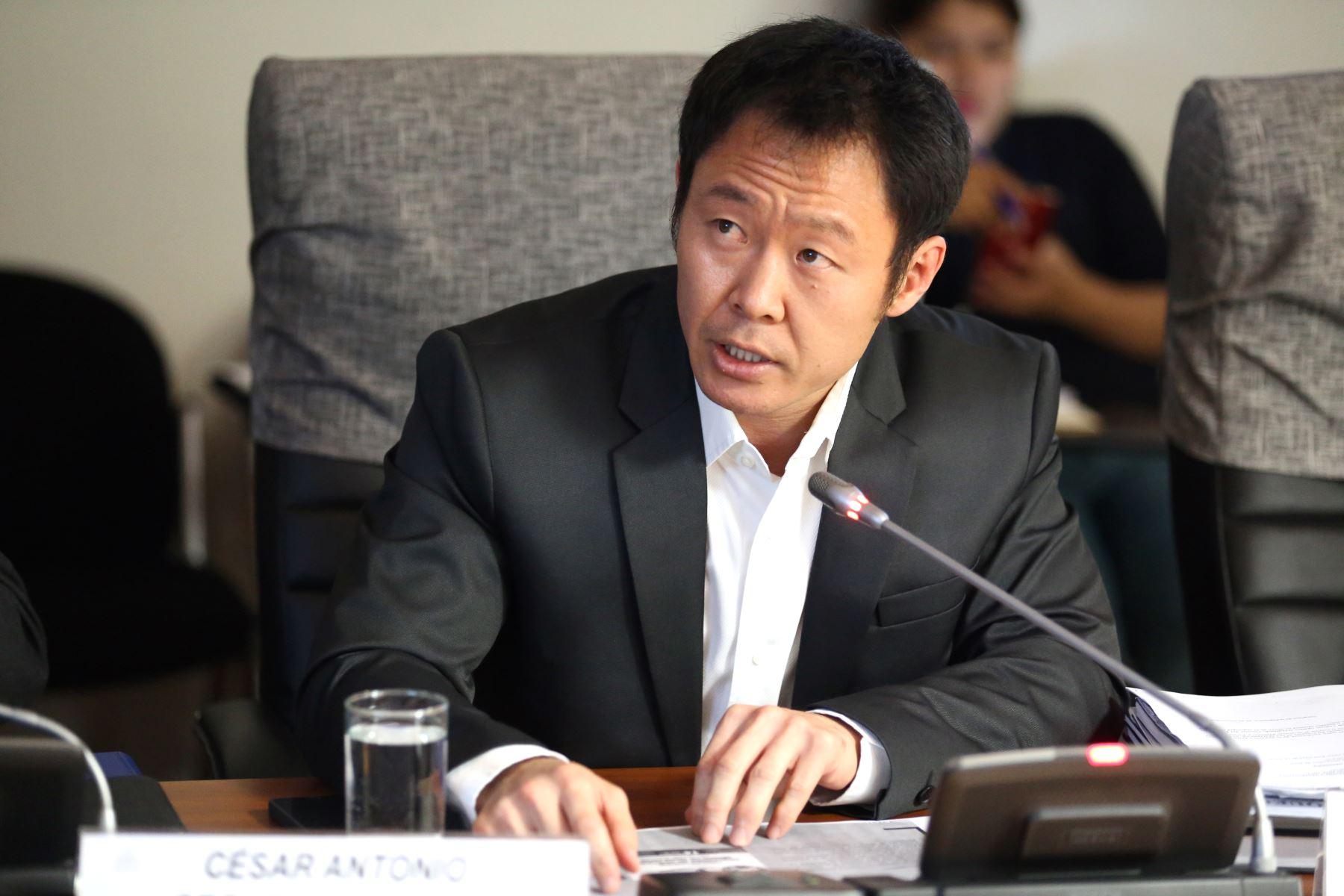 Mi bancada me quiere disolver — Kenji Fujimori