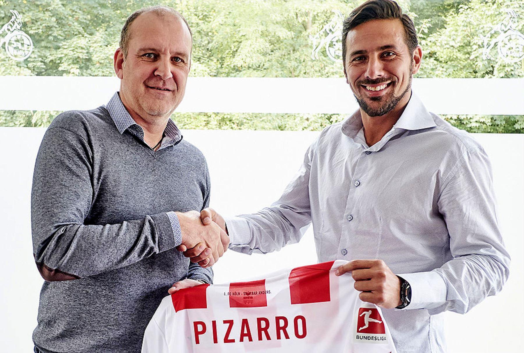 Claudio Pizarro fue presentado como nuevo jugador del FC Colonia
