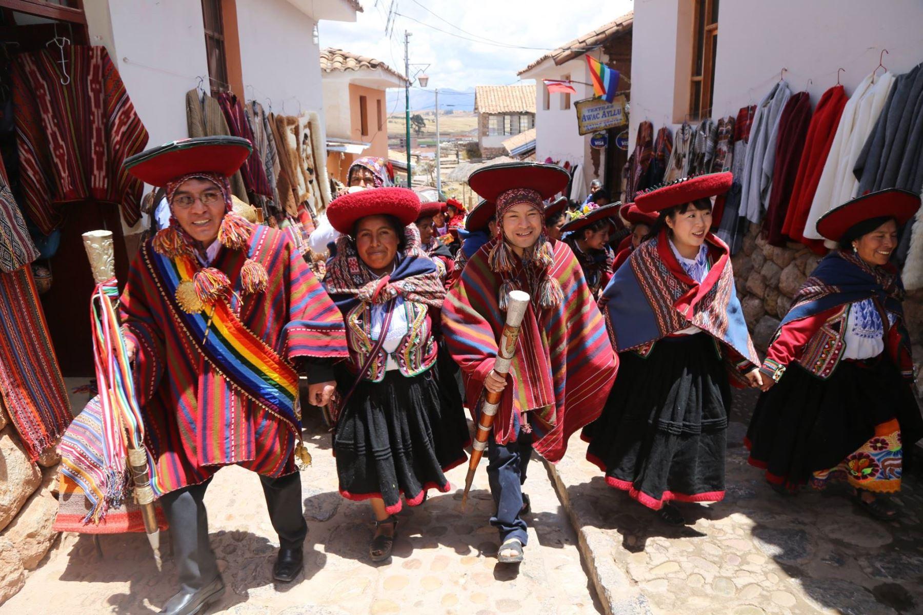 Con ceremonia andina pareja japonesa contrae matrimonio en Cusco. Foto: Municipalidad de Chinchero