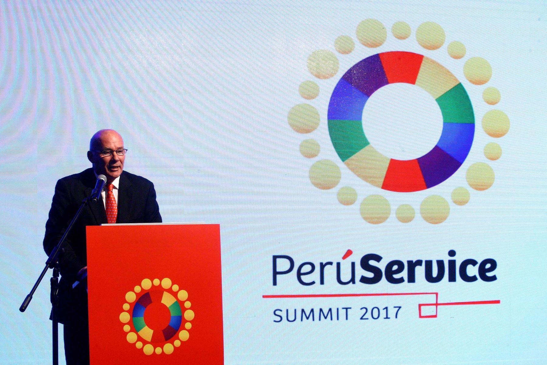 LIMA, PERÚ- OCTUBRE 02.Ministro de Comercio Exterior y Turismo, Eduardo Ferreyros inauguró la VII edición del Perú Summit 2017 en el hotel Los Delfines. Foto:ANDINA/Luis Iparraguirre