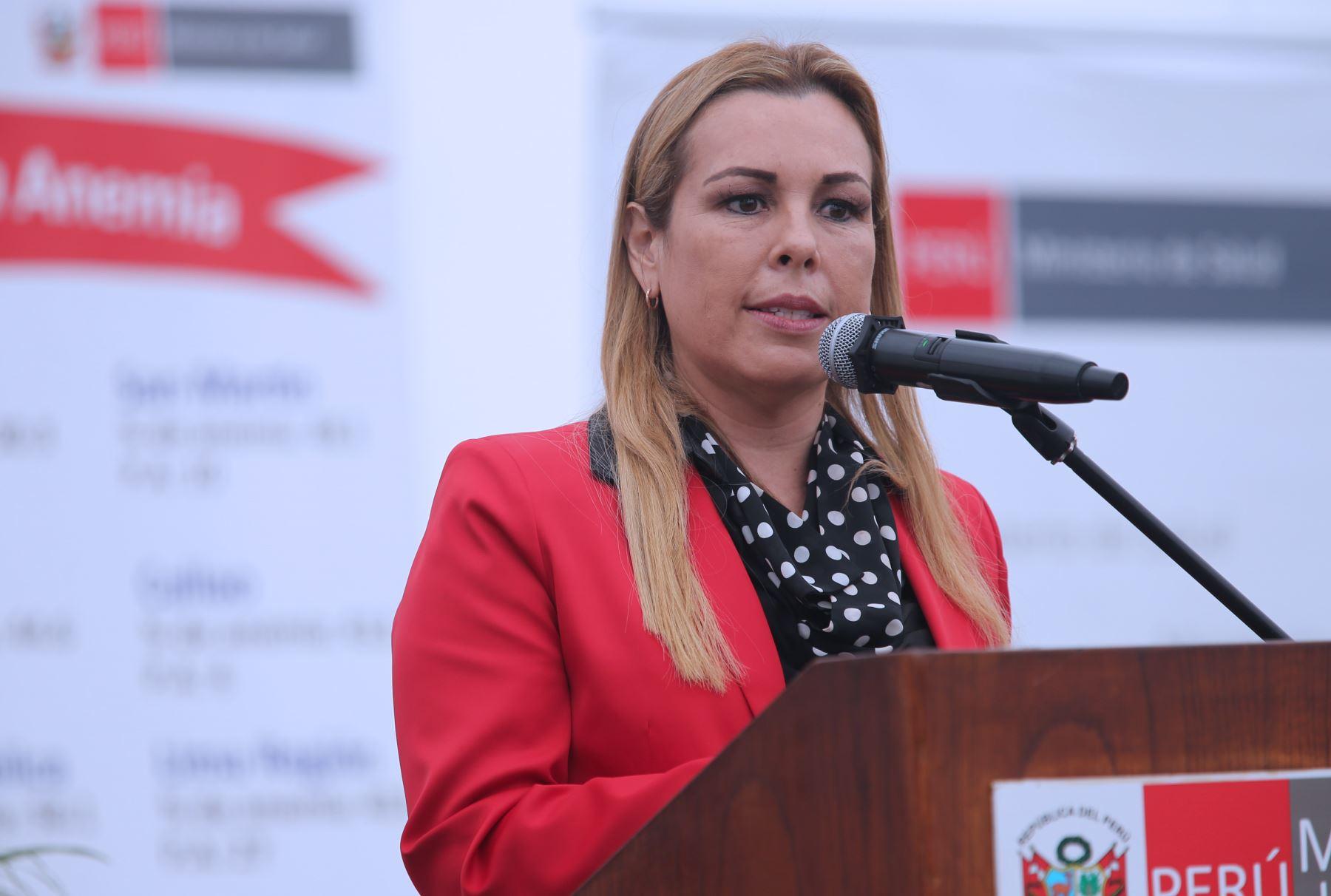 Fiorella Molinelli es designada como nueva presidenta de EsSalud