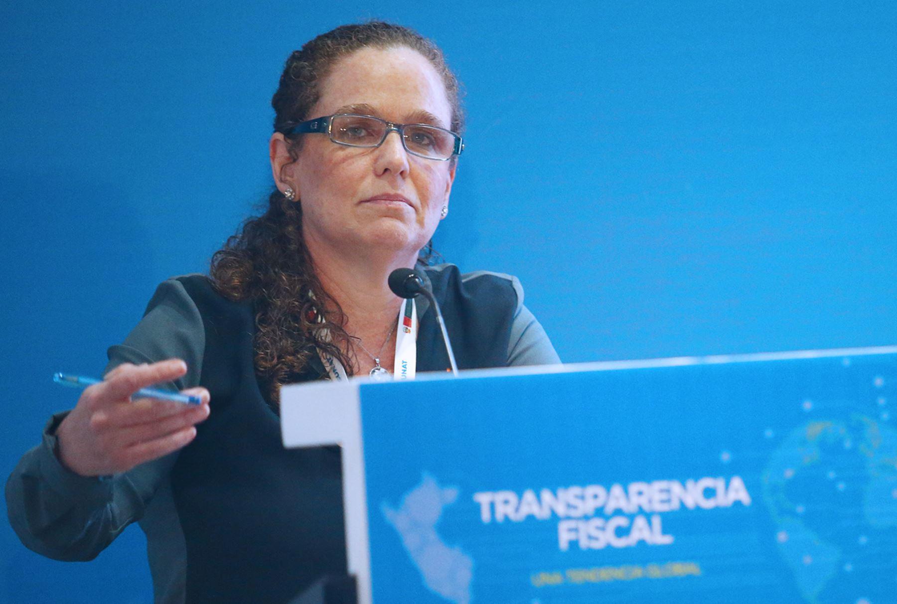 Ministra de Economía y Finanzas, Claudia Cooper. ANDINA/Melina Mejía