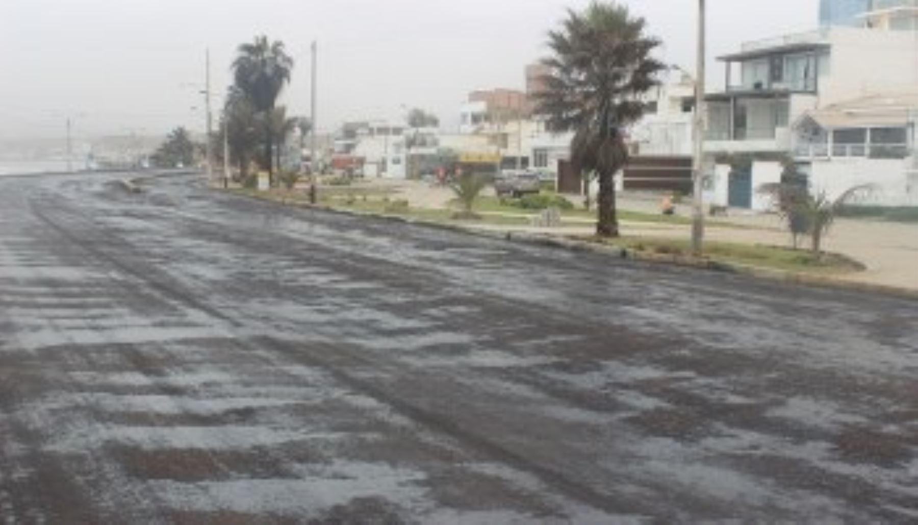 El alcalde de Huanchaco, José Ruiz, informó que solicitó dos millones y medio de soles para el mejoramiento de la carretera que conduce a su distrito y también el tramo que une el aeropuerto de la ciudad con el balneario.