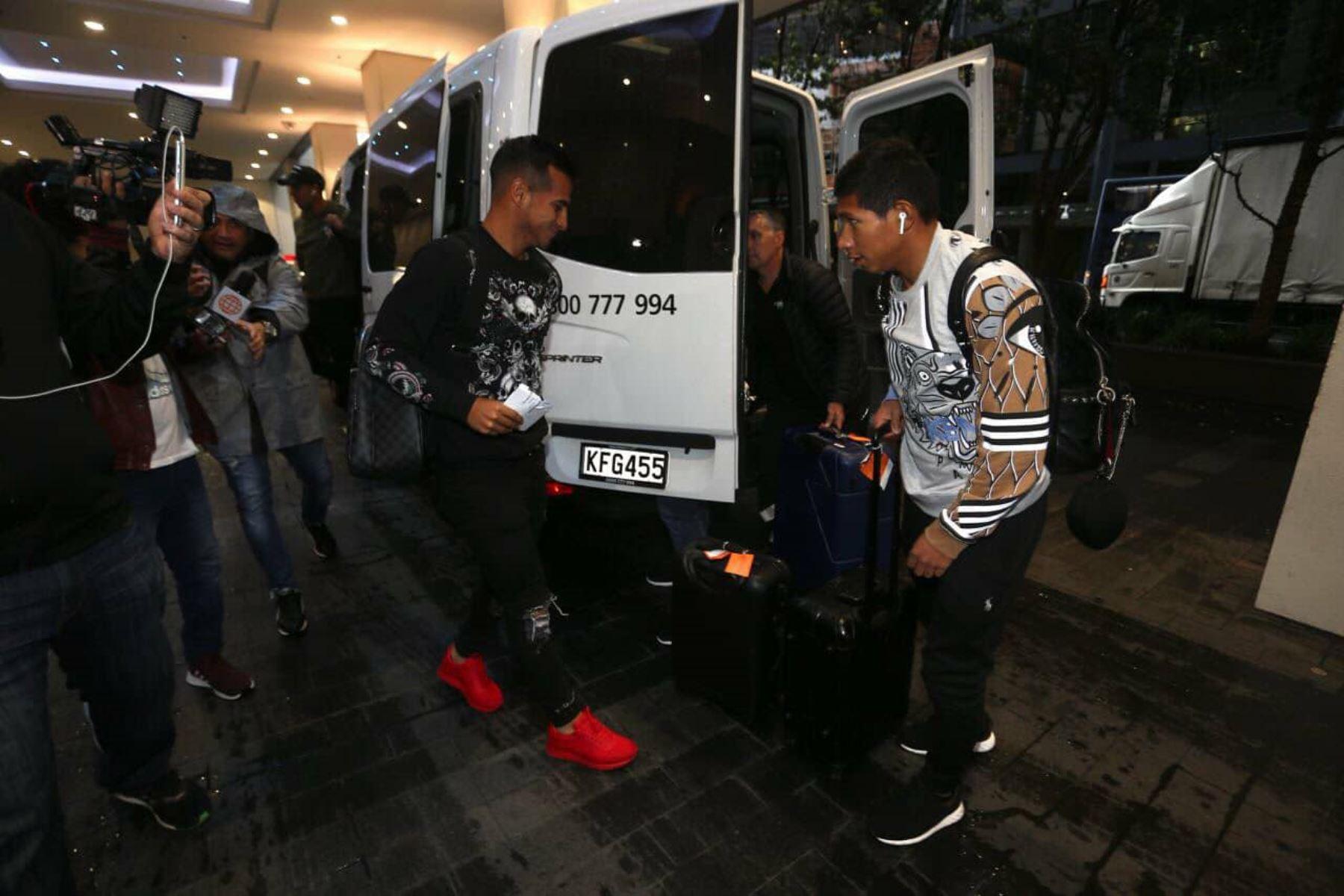 Edison Flores viajo por casi 30 horas desde Dinamarca