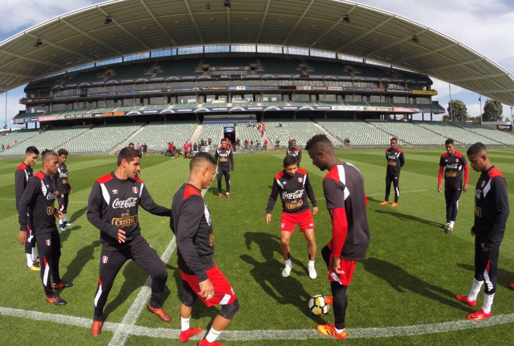 Selección peruana entrena en el QBE Stadium con miras al partido ante Nueva Zelanda.Foto: ANDINA/ FPF