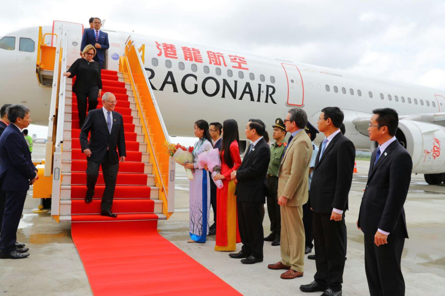 Llegada del presidente de Perú, Pedro Pablo Kuczynski en el marco de la XXV Cumbre del Foro APEC en Vietnam.Foto: ANDINA/Prensa Presidencia