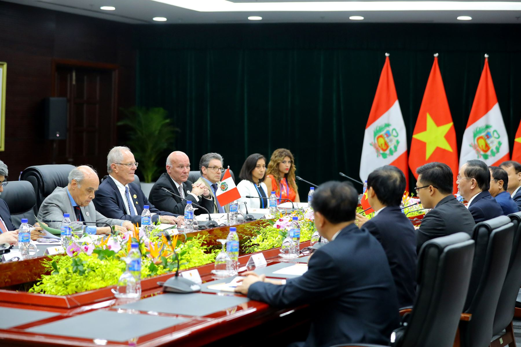 Presidente Pedro Pablo Kuczynski participa en Foro APEC.