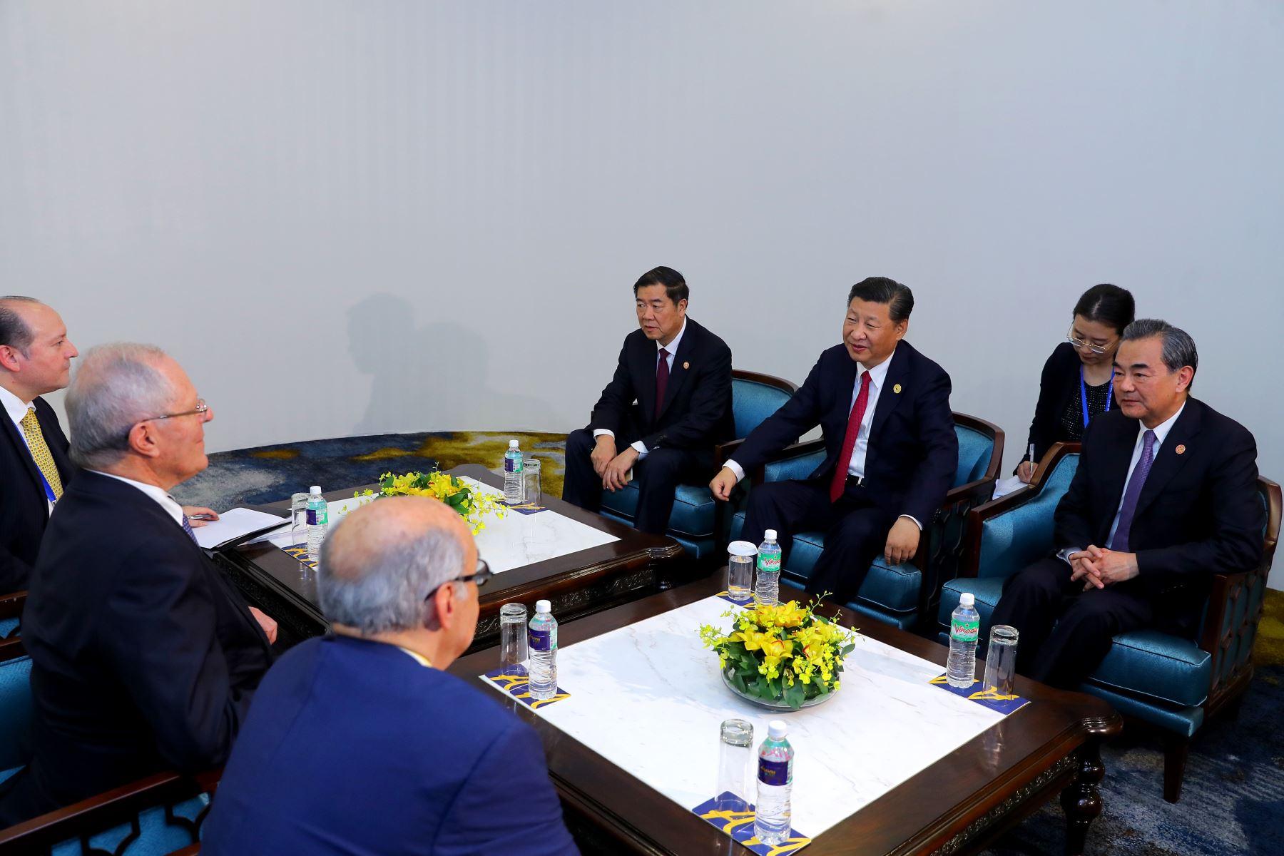Presidente Kuczynski dialogó en reunión bilateral con el mandatario de China, Xi Jinping. Foto: ANDINA/Prensa Presidencia