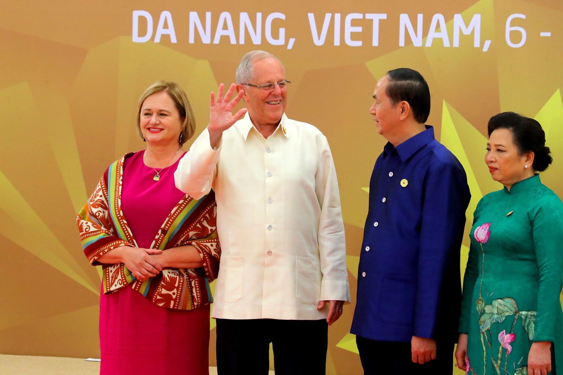 Bienvenida Oficial a los líderes de APEC y Esposas, a cargo del líder Vietnamita, Than Dai Quang y su esposa. Foto: ANDINA/Prensa Presidencia