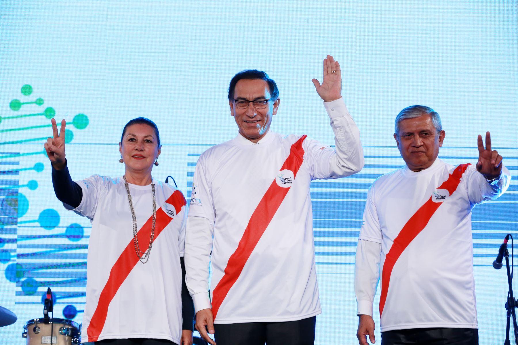 """Vicepresidente, Martin Vizcarra, inaugura """"Perú con Ciencia"""" organizada por CONCYTEC Foto: ANDINA/Dante Zegarra"""