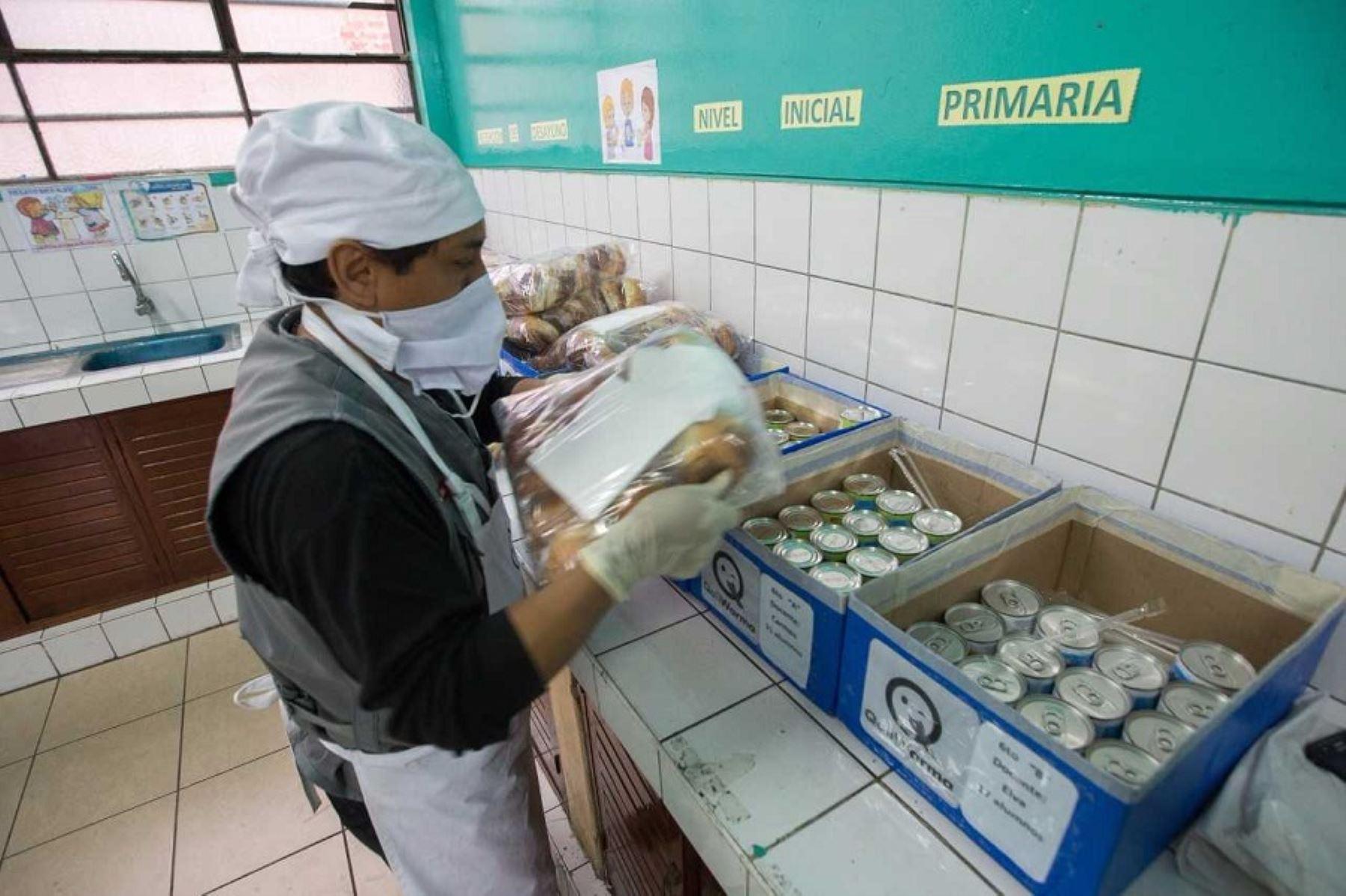 Qali Warma escolares continuarán recibiendo alimentos nutritivos variados y de calidad en el 2018