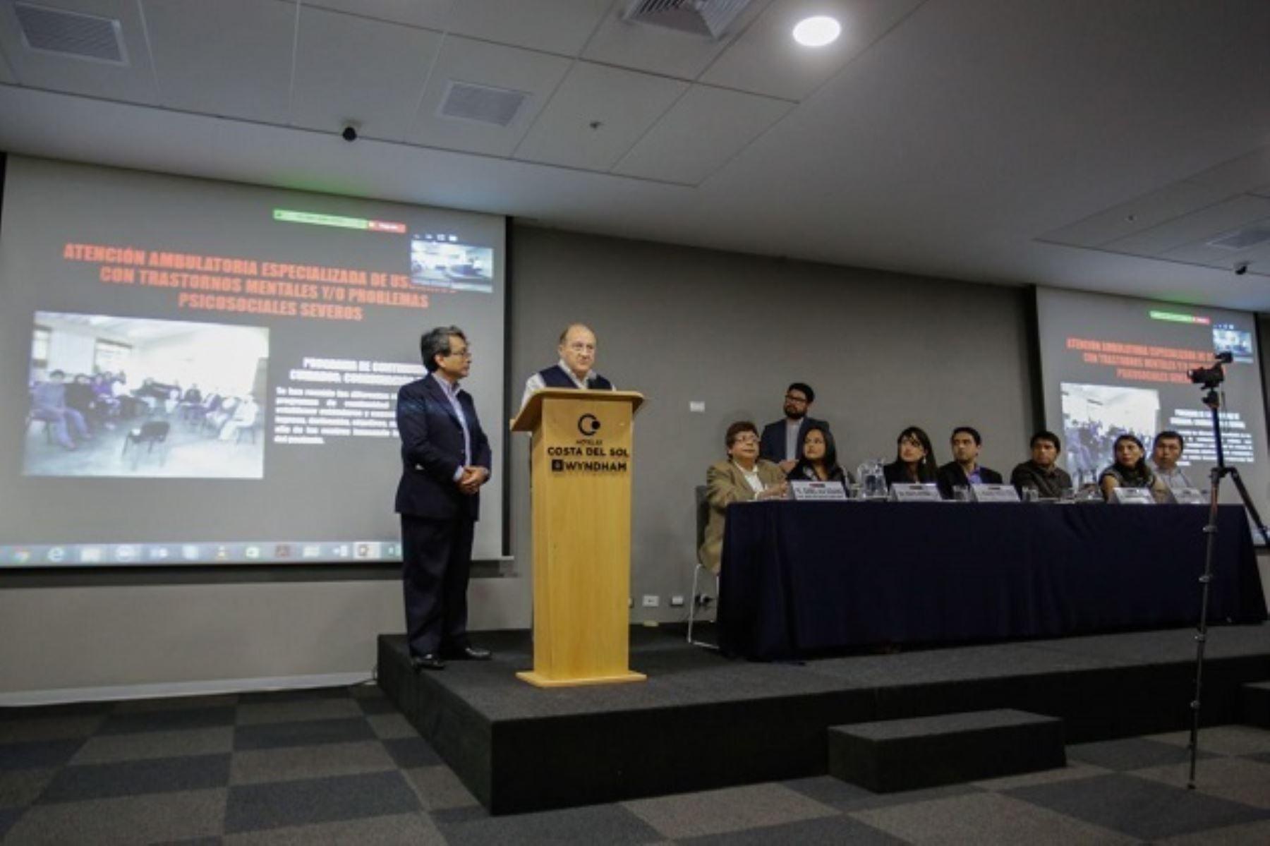 El ministro de Salud, Fernando D