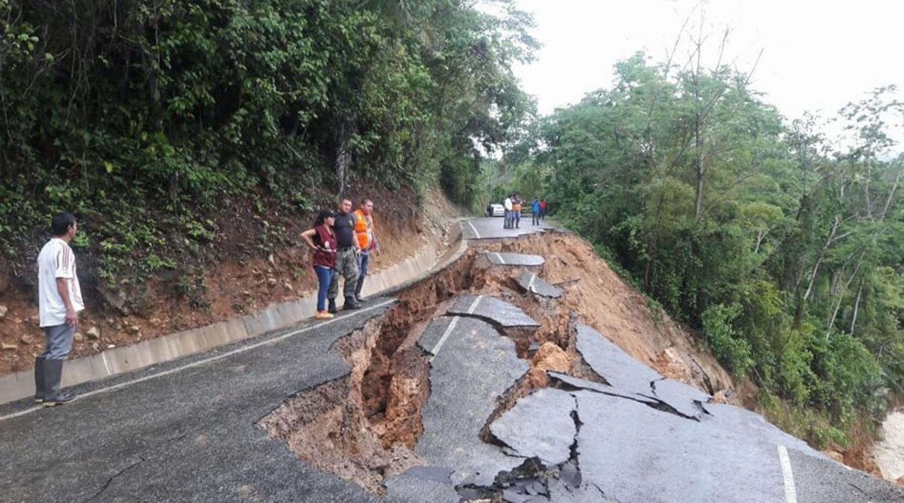 El desborde e inundación del río Cumbaza, en la región San Martín, dejó hasta el momento 318 familias damnificadas y dos personas fallecidas, con daños que se extienden a distritos de las provincias de Lamas, San Martin, Bellavista, Mariscal Cáceres y Picota, según el reporte emitido hoy por el Instituto Nacional de Defensa Civil (Indeci).
