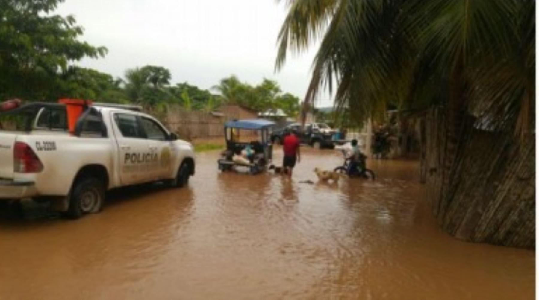 Evacíun a damninficdos de localidad de Puerto Rico en San Martín.