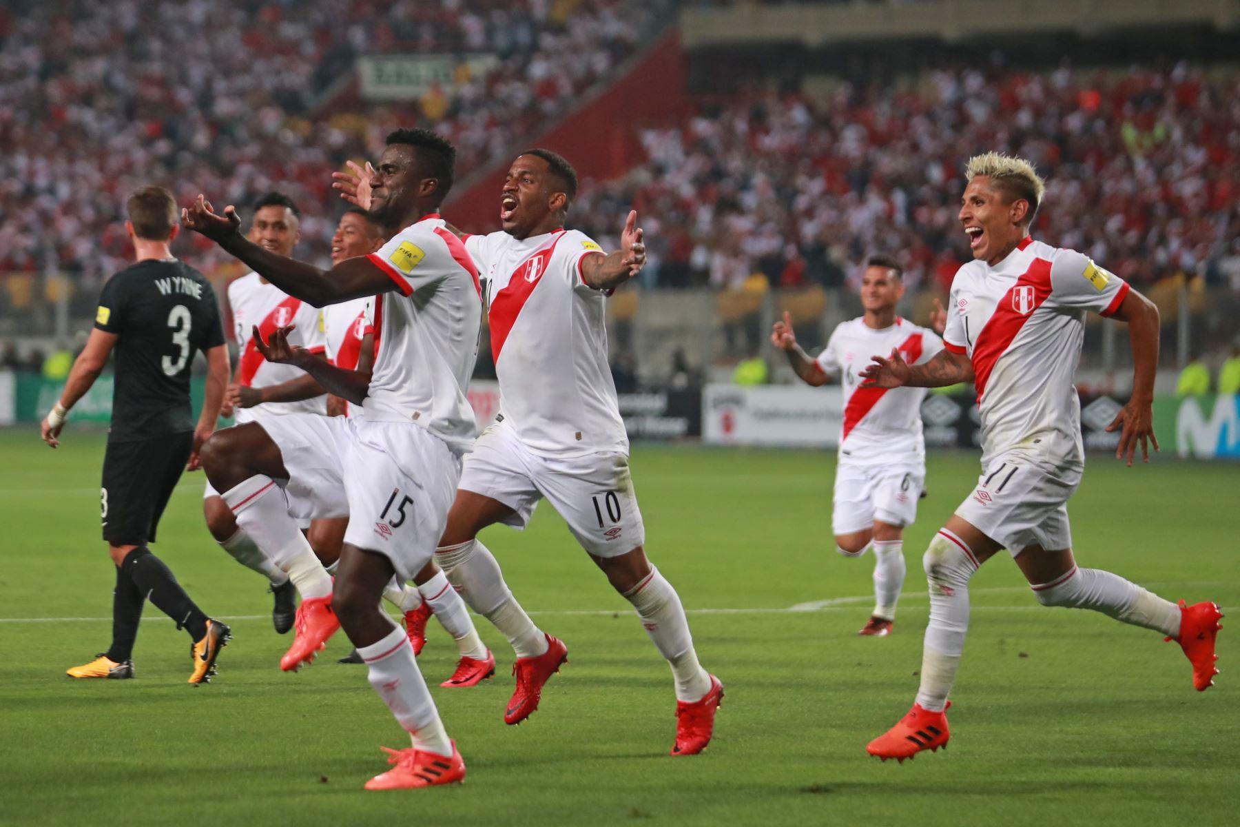 LIMA,PERÚ-NOVIEMBRE 15. Partido Perú vs. Nueva Zelanda por la clasificación para el Mundial de Rusia 2018. Foto: ANDINA/Carlos Lezama