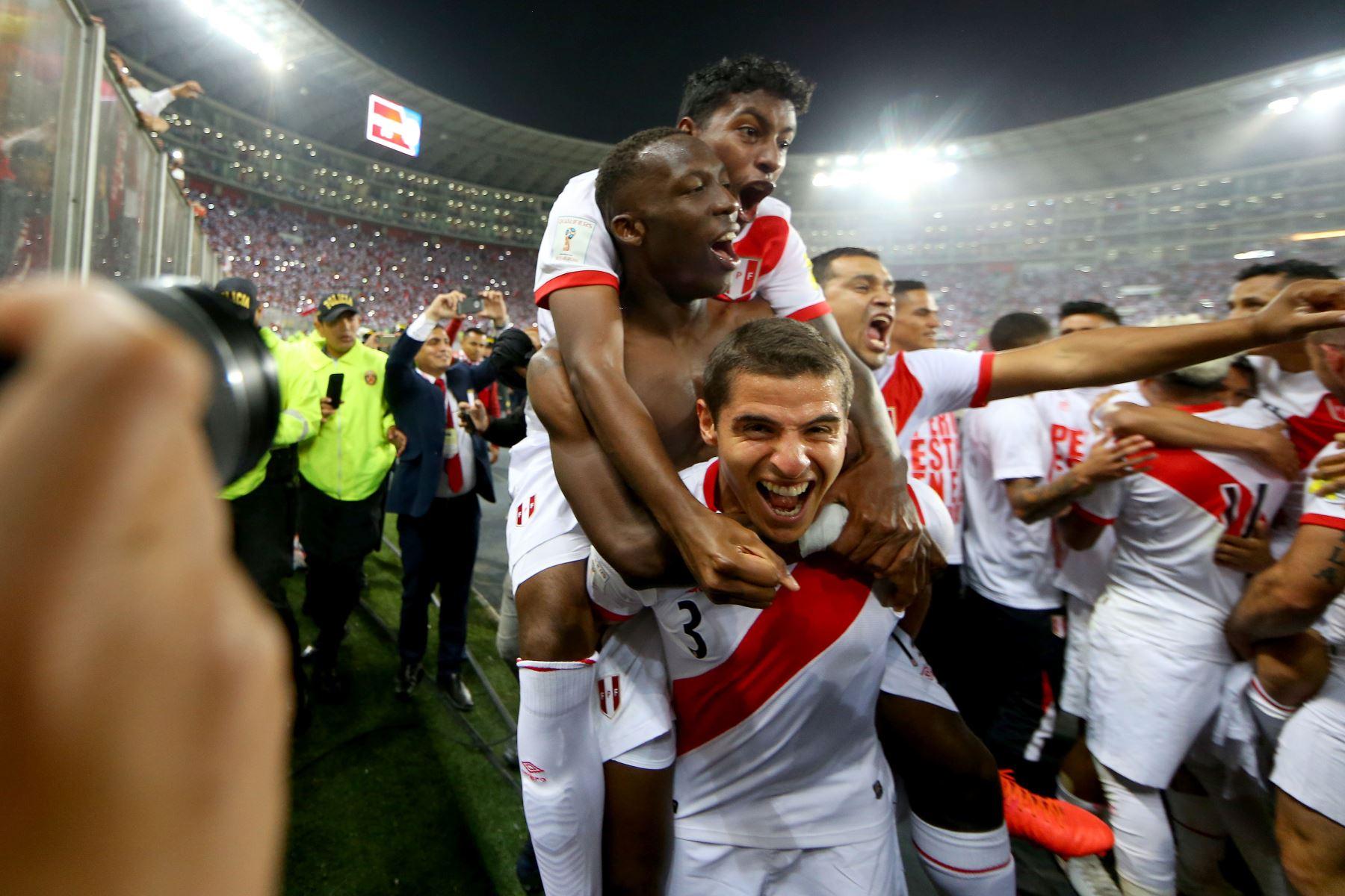 LIMA,PERÚ-NOVIEMBRE 15. Perú clasifica para el Mundial de Rusia 2018. Foto: ANDINA/Luis Iparraguirre