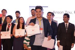 Anson Tou recibió el galardón en México. Foto: Difusión