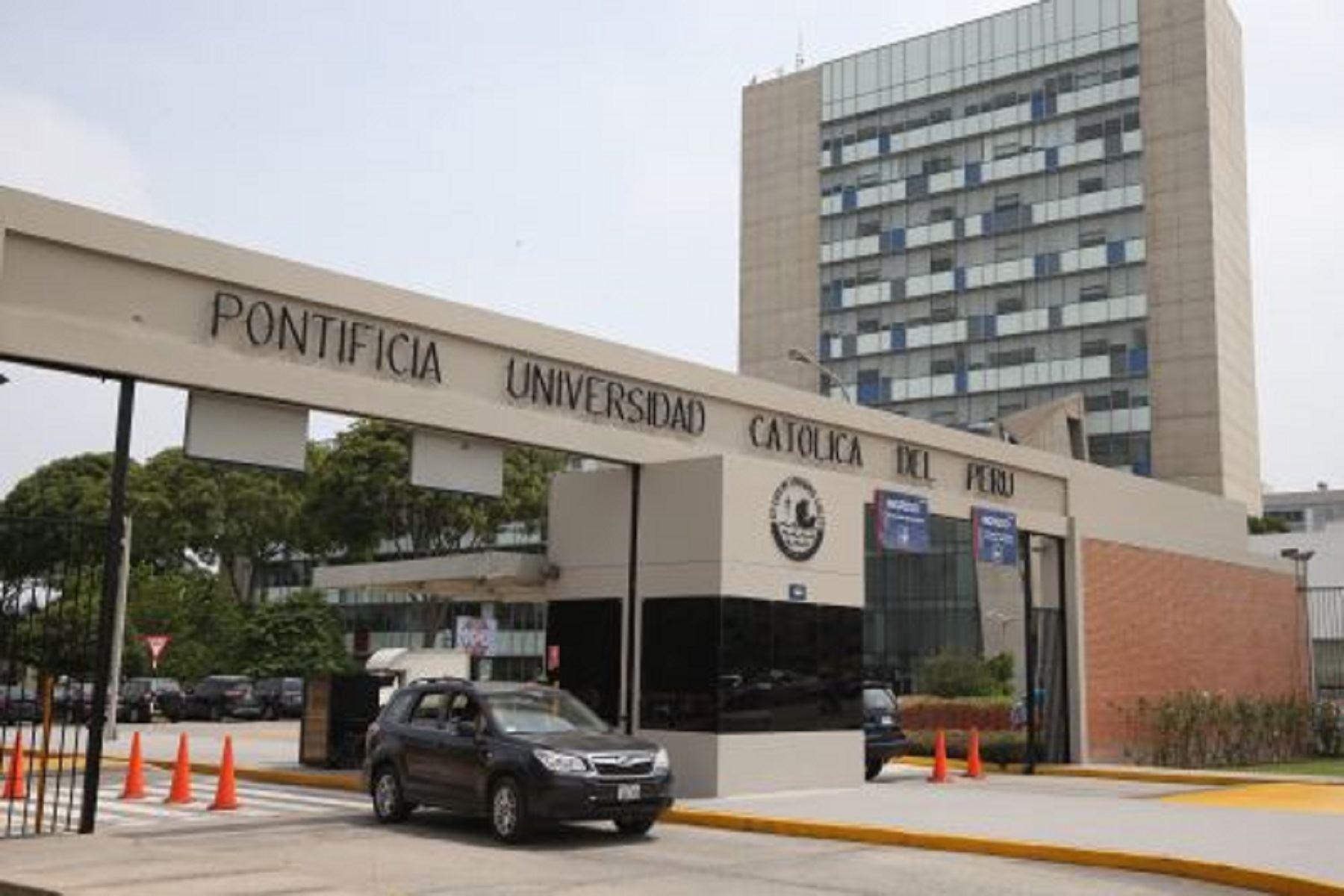 Juramentan al nuevo presidente de Perú