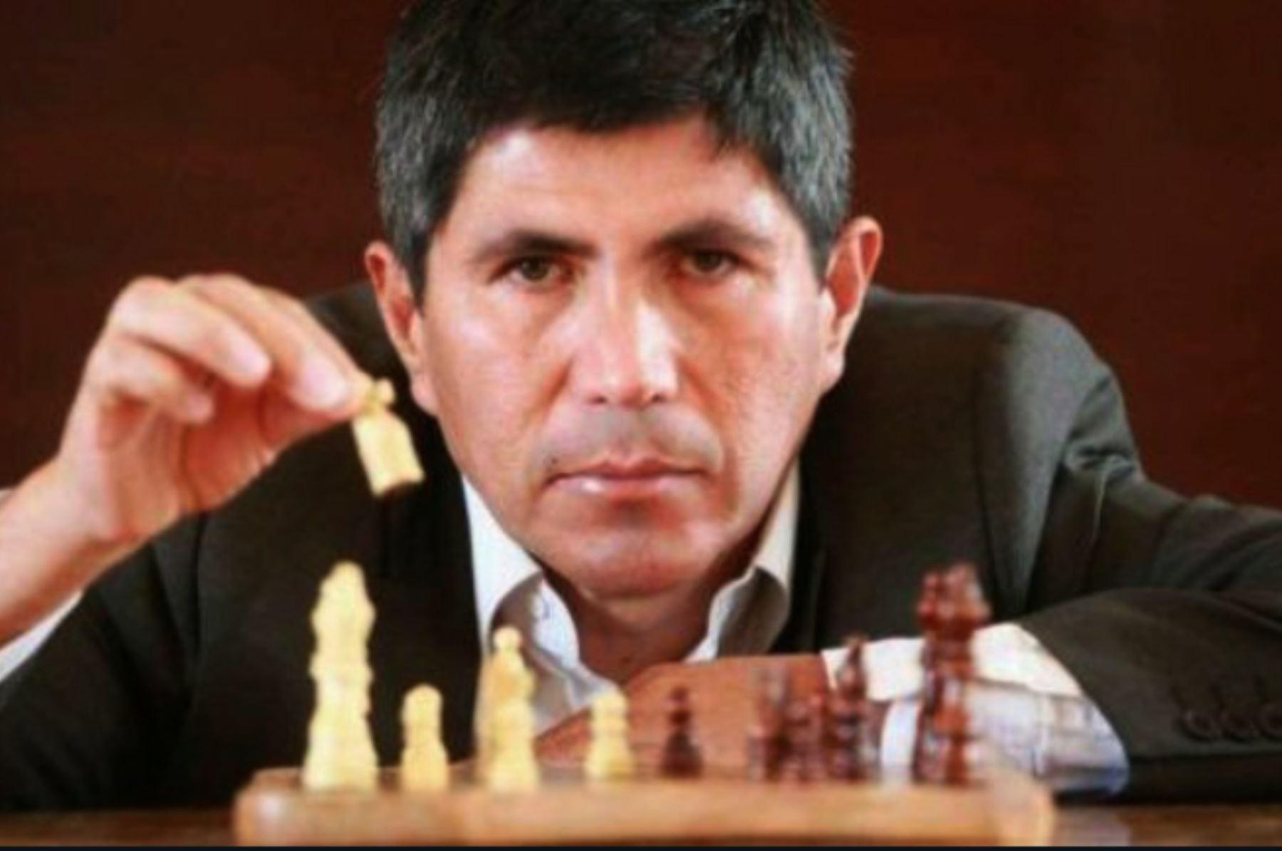 PPK y Mercedes Aráoz felicitan a campeón mundial de ajedrez Julio Granda
