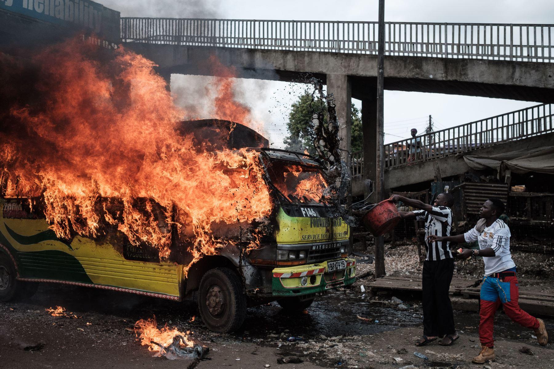 Protestas en Kenia por la llegada del líder opositor Raila Odinga. Foto: AFP