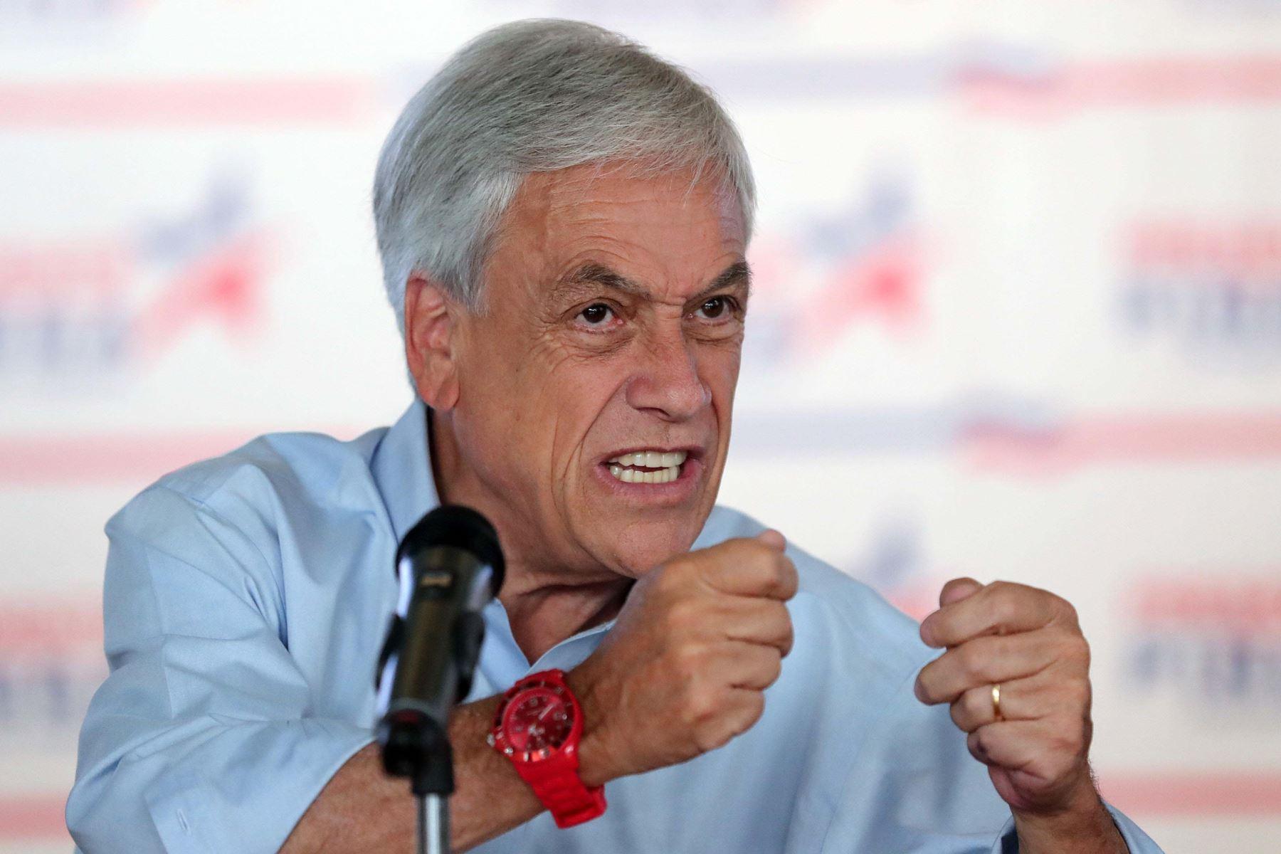 El expresidente  chileno Sebastián Piñera,obtuvo el 36,64% de los votos en  las elecciones, habla durante un encuentro con corresponsales extranjeros. Foto:EFE