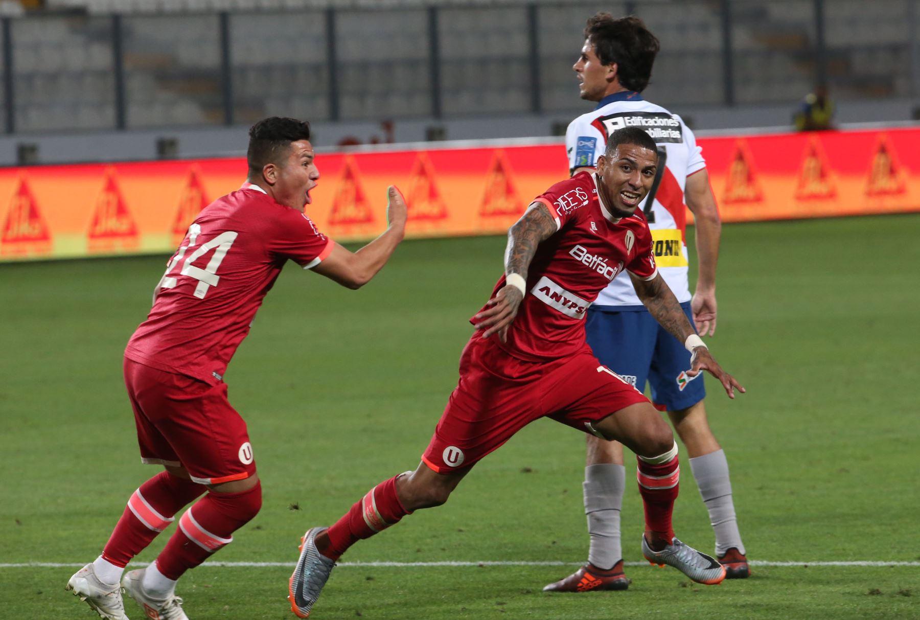 LIMA,PERÚ-NOVIEMBRE 23. Universitario  de Deportes gano 5-3 a Deportivo Municipal, en el estadio nacional. Foto: ANDINA/Jhony Laurente
