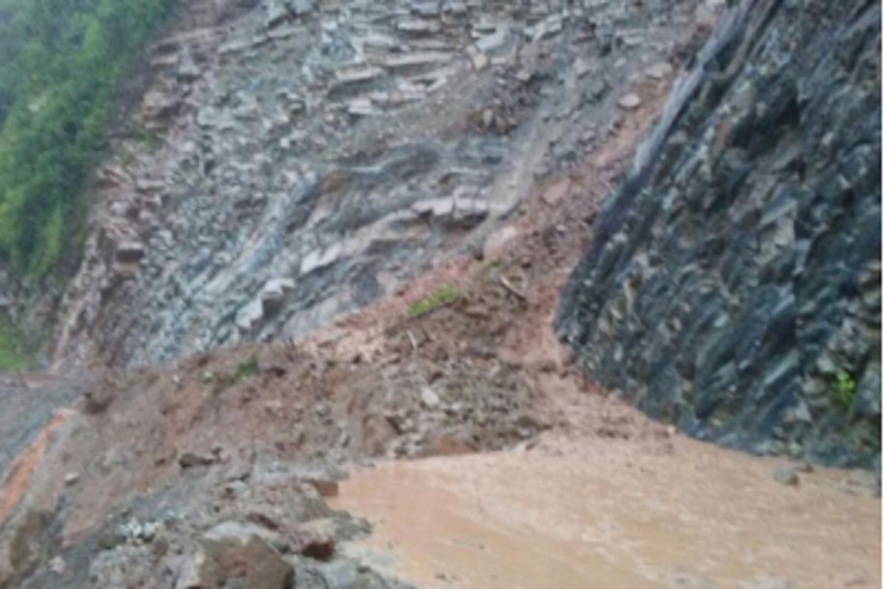 Derrumbe afecta tránsito de vehículos en la vía Cañete-Yauyos. ANDINA/Difusión