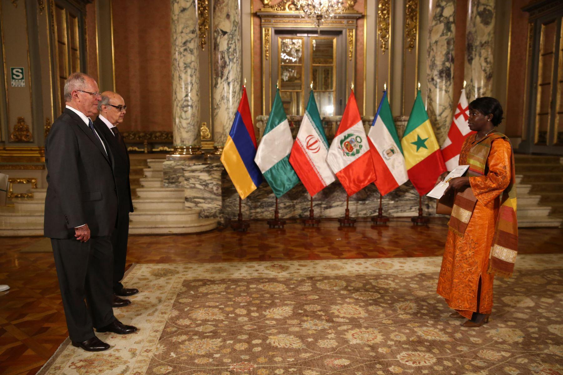 Presidente Kuczynski recibe cartas credenciales de seis embajadores concurrentes. Foto: ANDINA/Prensa Presidencia