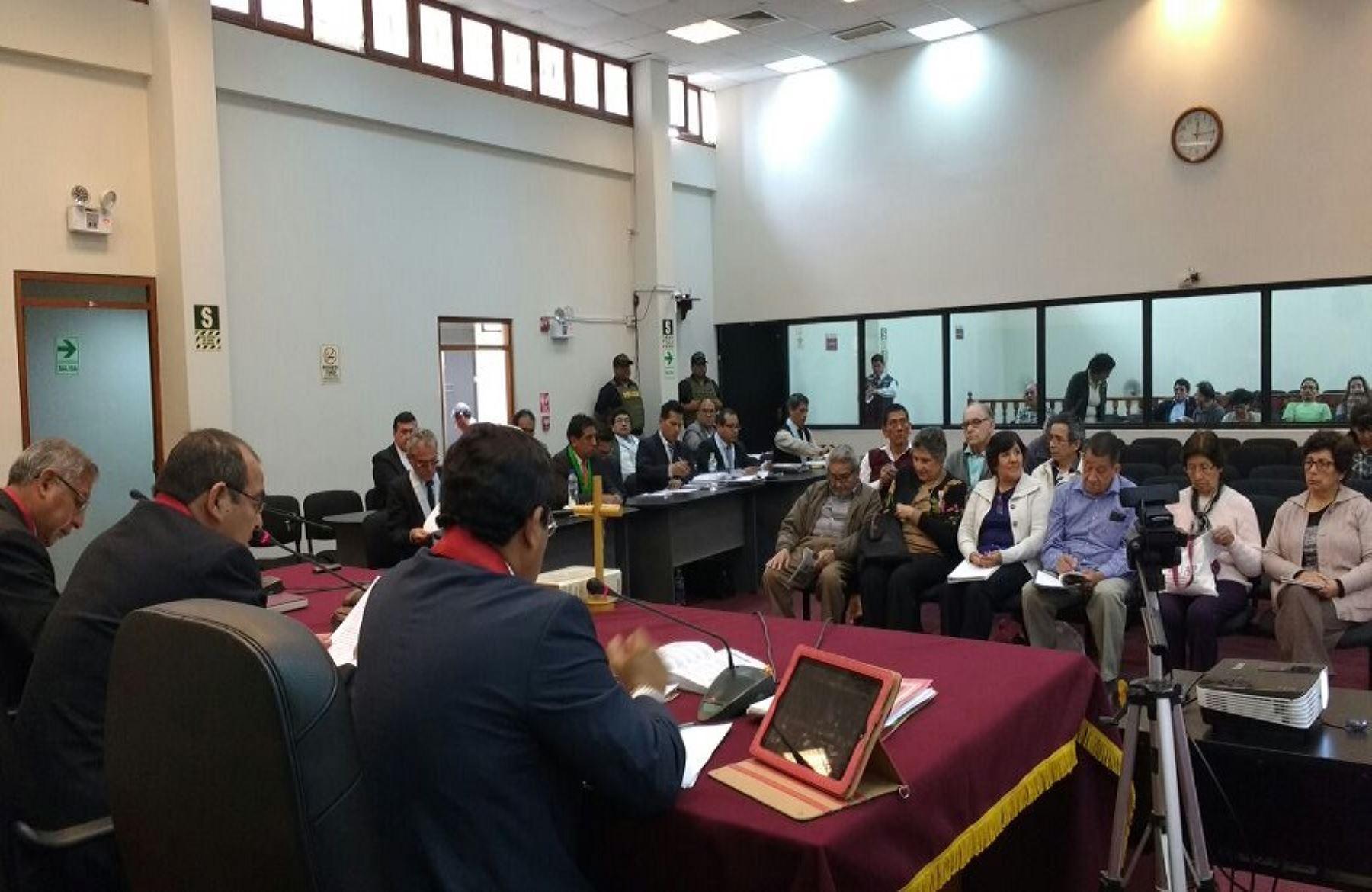 Procuradora denuncia que Abimael Guzmán la amenazó en plena audiencia