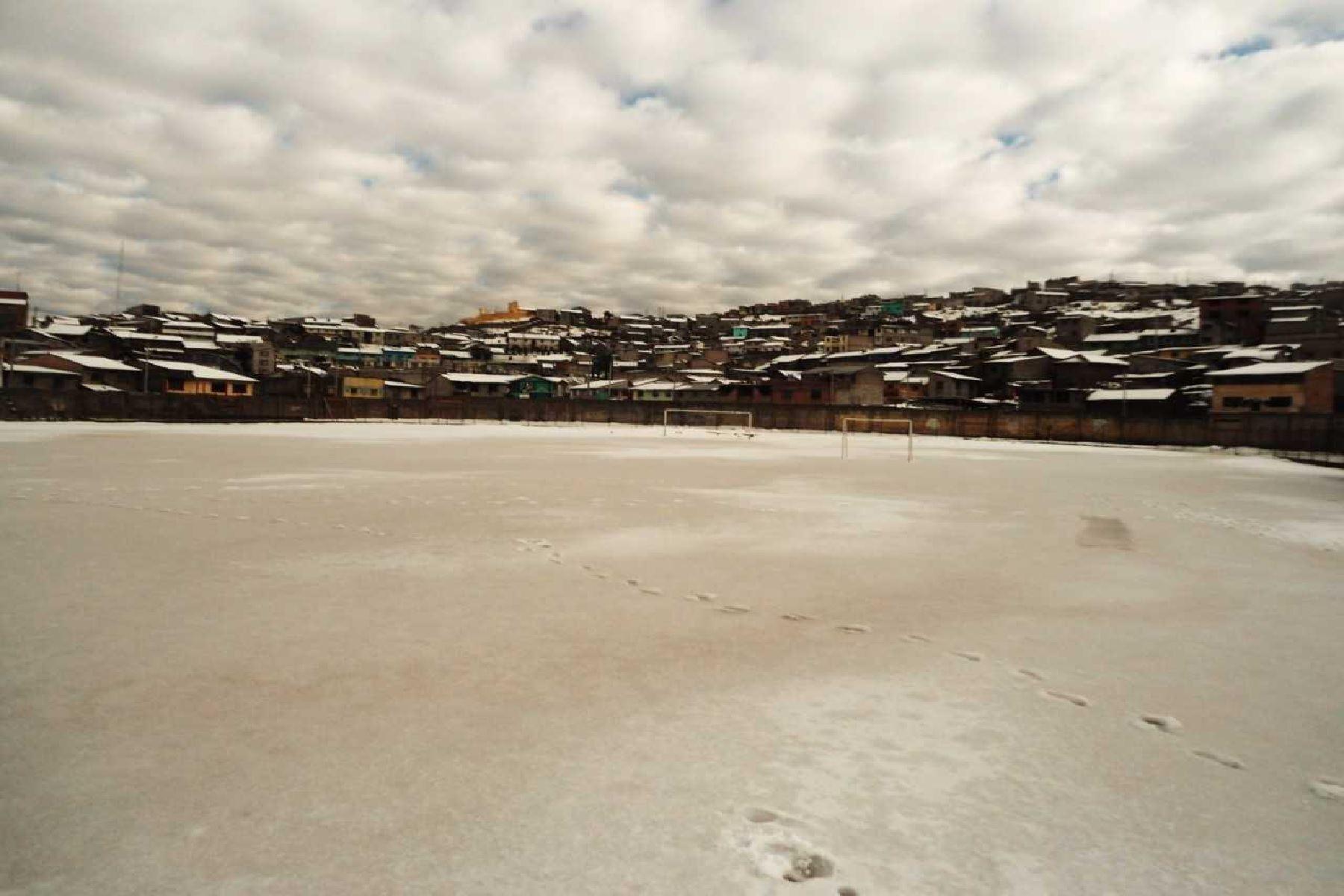 Cerro de Pasco soportó más de 10 horas de intensa nevada