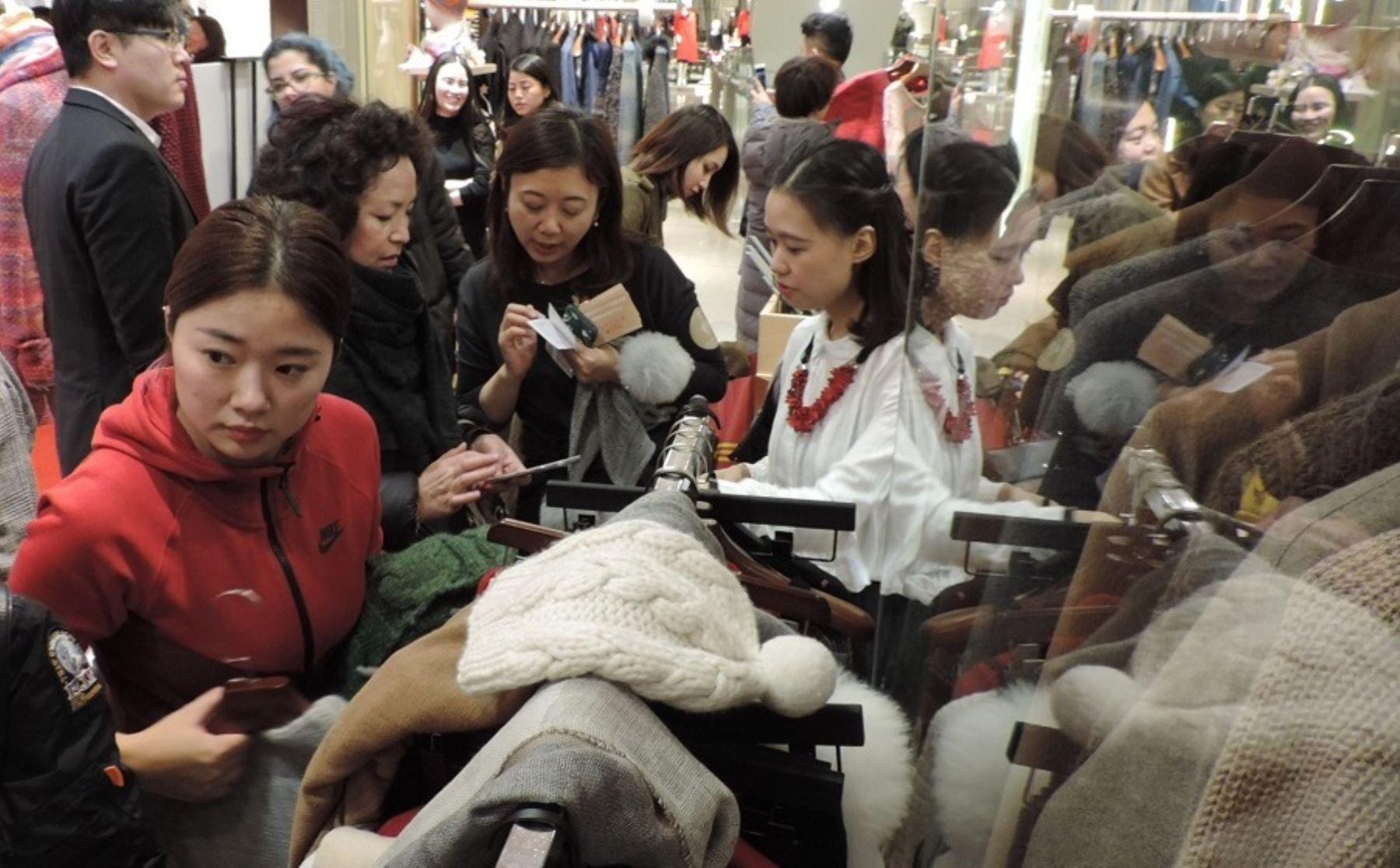 Primera tienda de alpaca peruana en China. Foto: Cortesía.