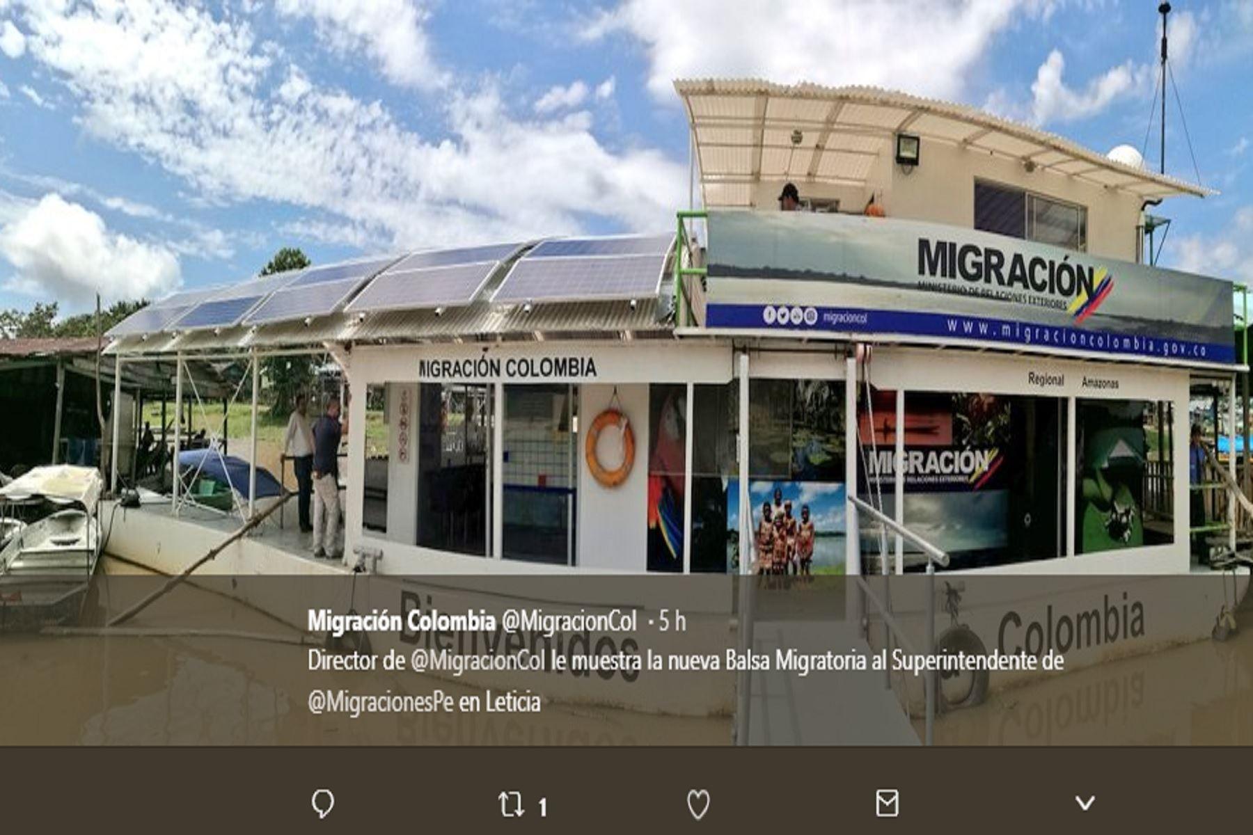 La Balsa Migratoria, construida por Colombia, tiene a bordo inspectores migratorios peruanos y colombianos.