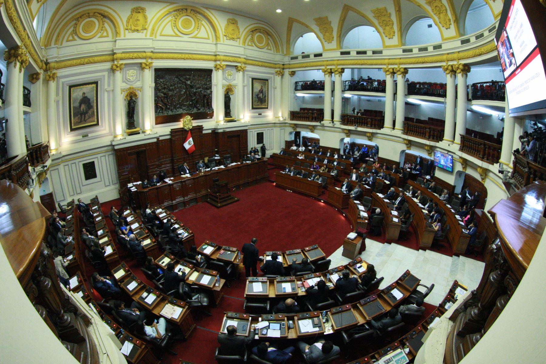 Resultado de imagen para congreso aprueba tramite a vacancia presidencial