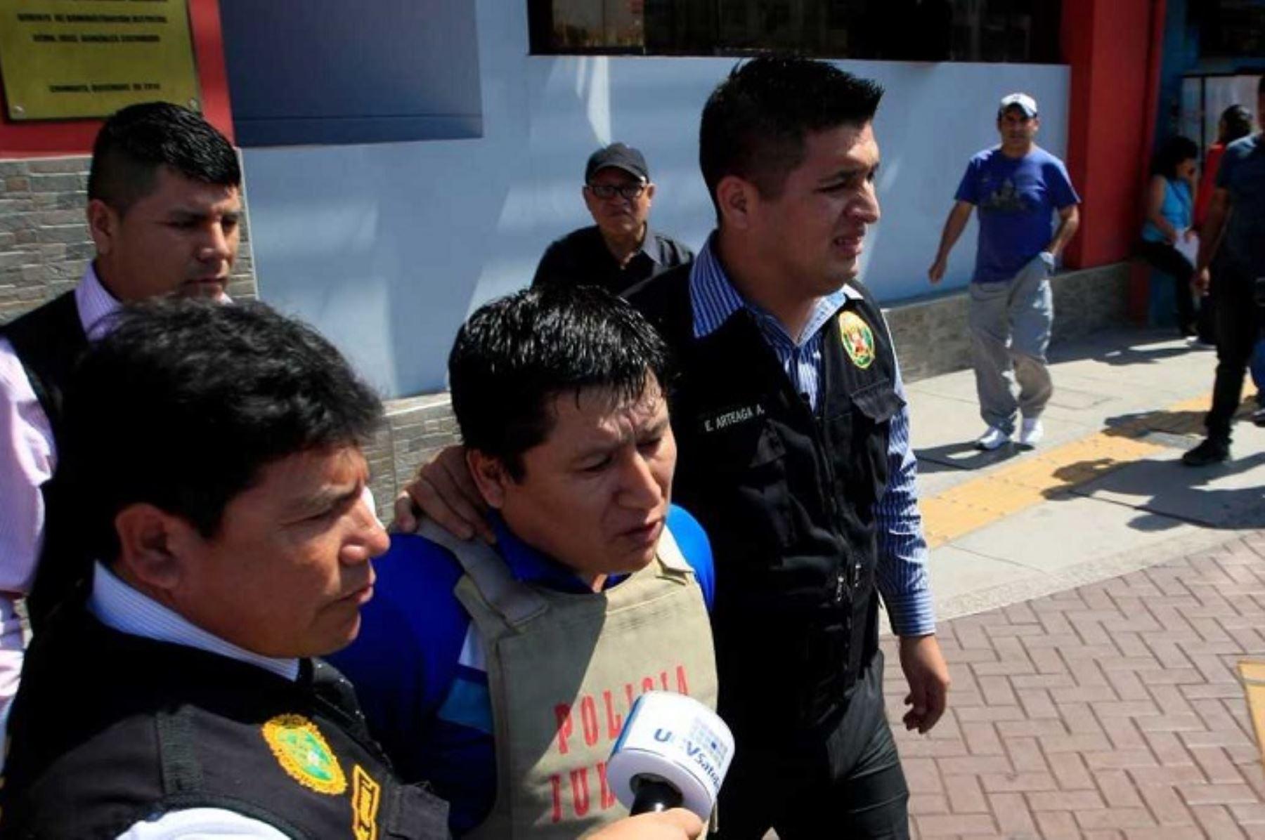 El ex alcalde de la provincia ancashina de Casma, Rommel Meza Cerna, hace frente a otro pedido de 35 años de cárcel, esta vez por su presunta vinculación en el crimen de la abogada casmeña Milagros Aponte Roque. ANDINA/Difusión