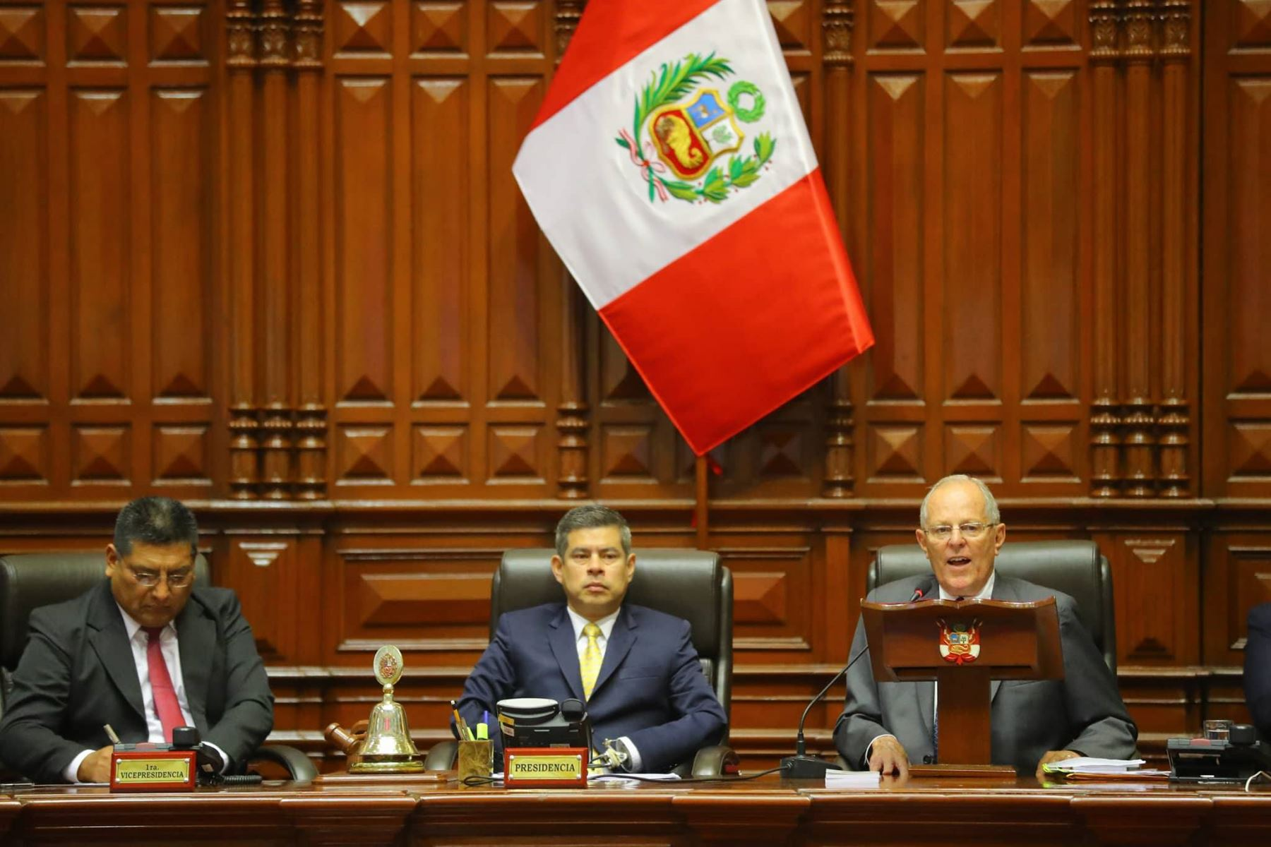 Peru President exercises right to defense at Congress