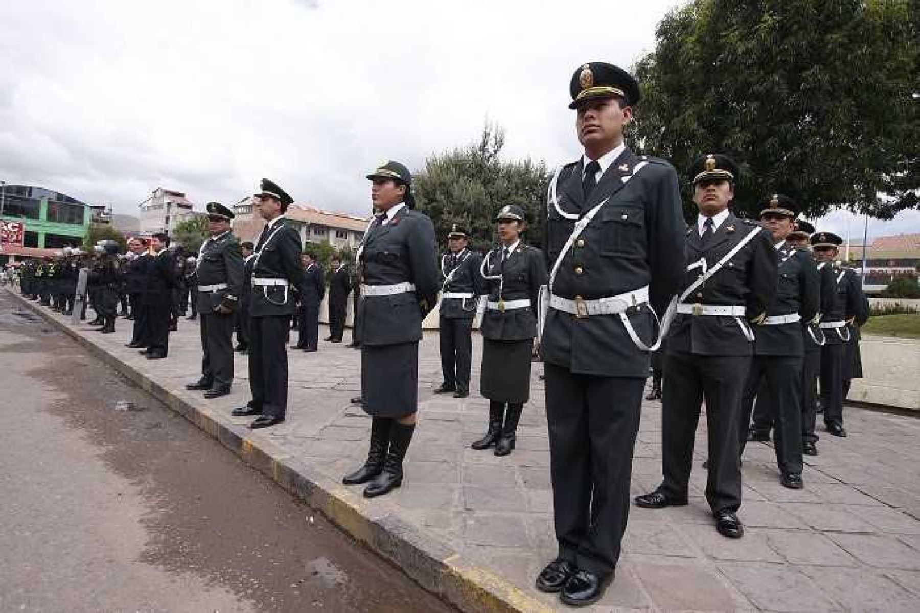 Policía y autoridades multisectoriales harán cumplir el Plan Sol, seguridad, orden y limpieza.
