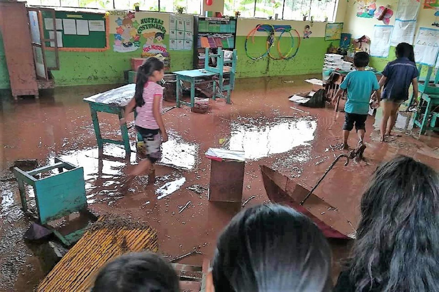 Lluvias intensas causan daños en viviendas y en carretera a Perené, en Chanchamayo, Junín. ANDINA