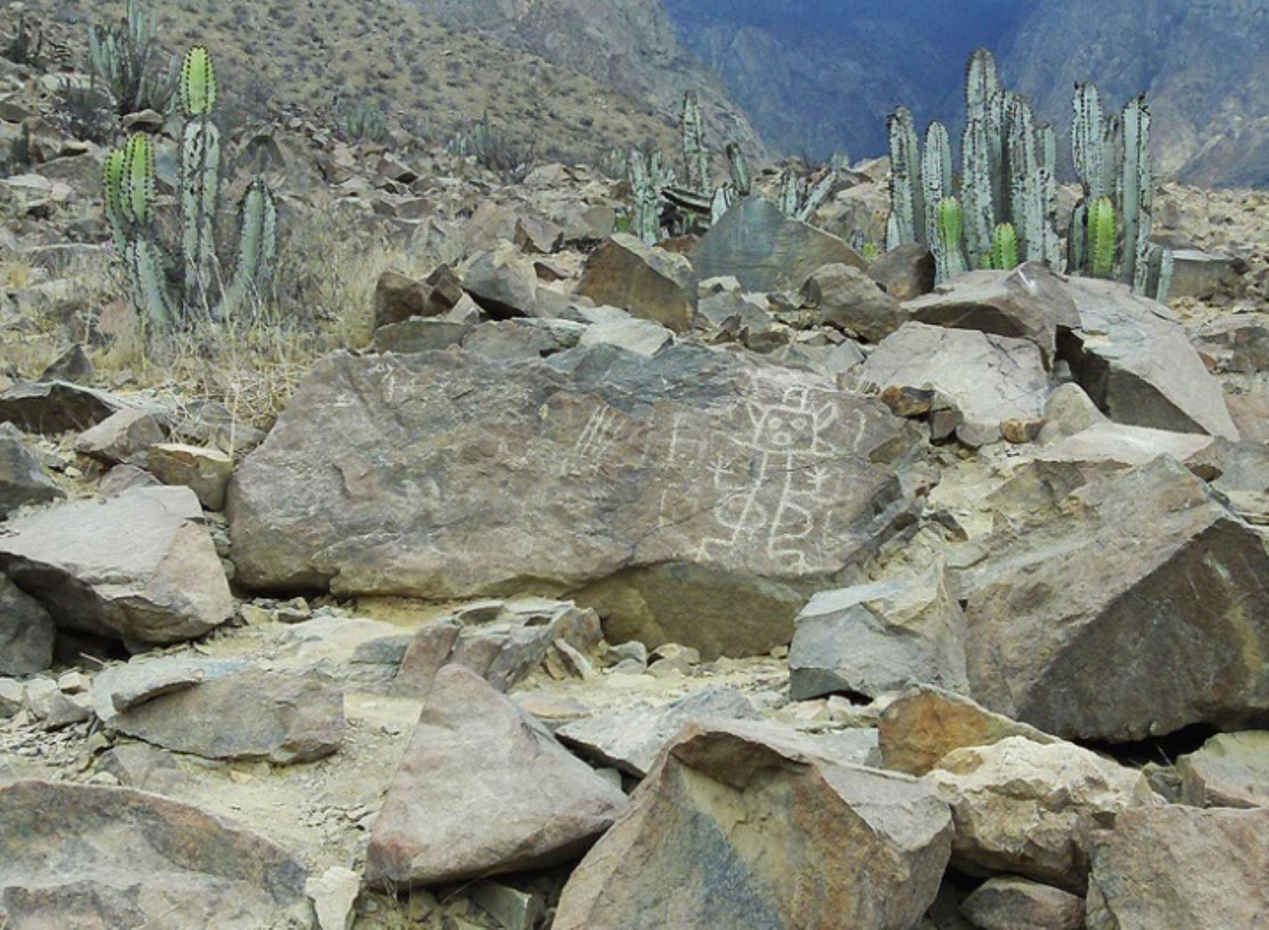 Petroglifos de Checta, en la provincia limeña de Canta.