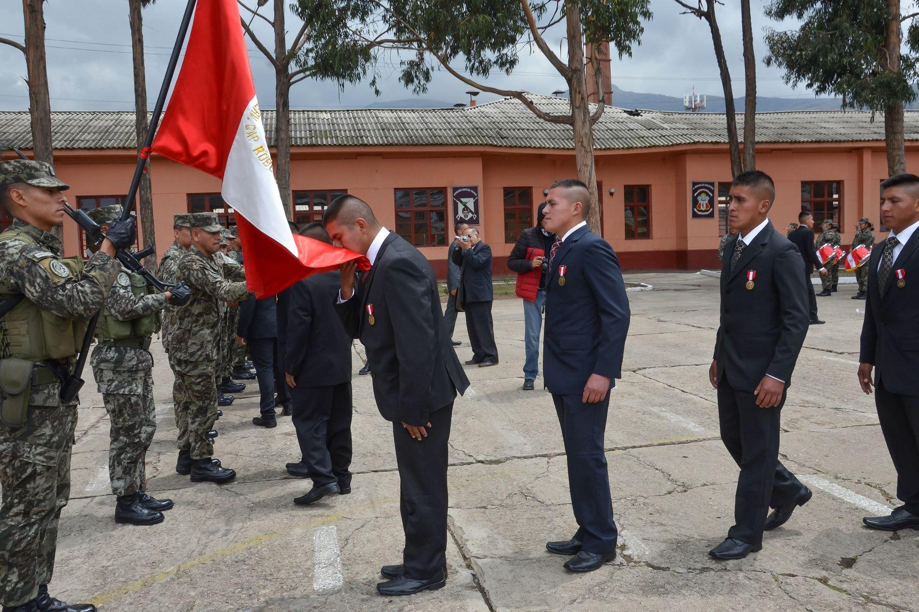 Huancayo: 196 soldados retornan a la vida civil tras dos años de ...