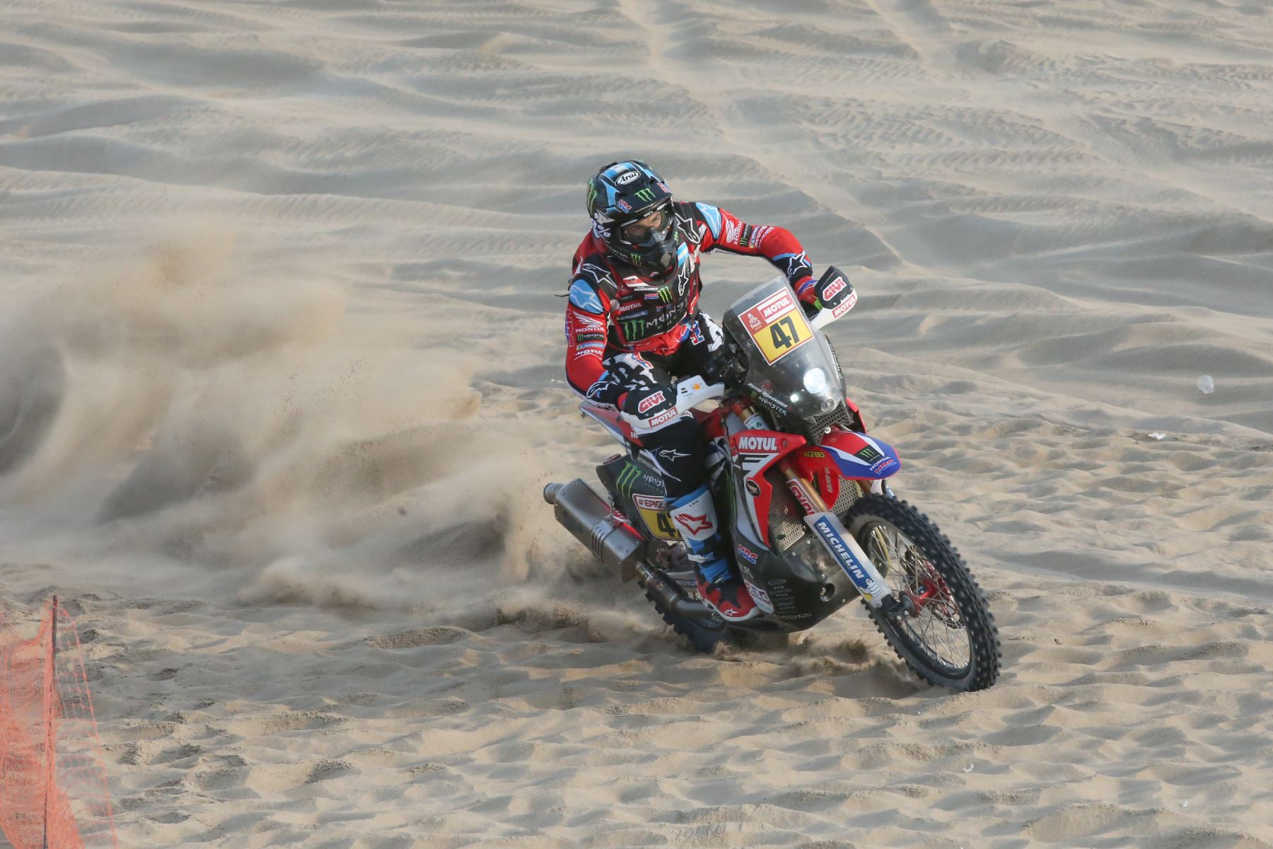 Loeb wins Dakar fourth stage, Sunderland out injured
