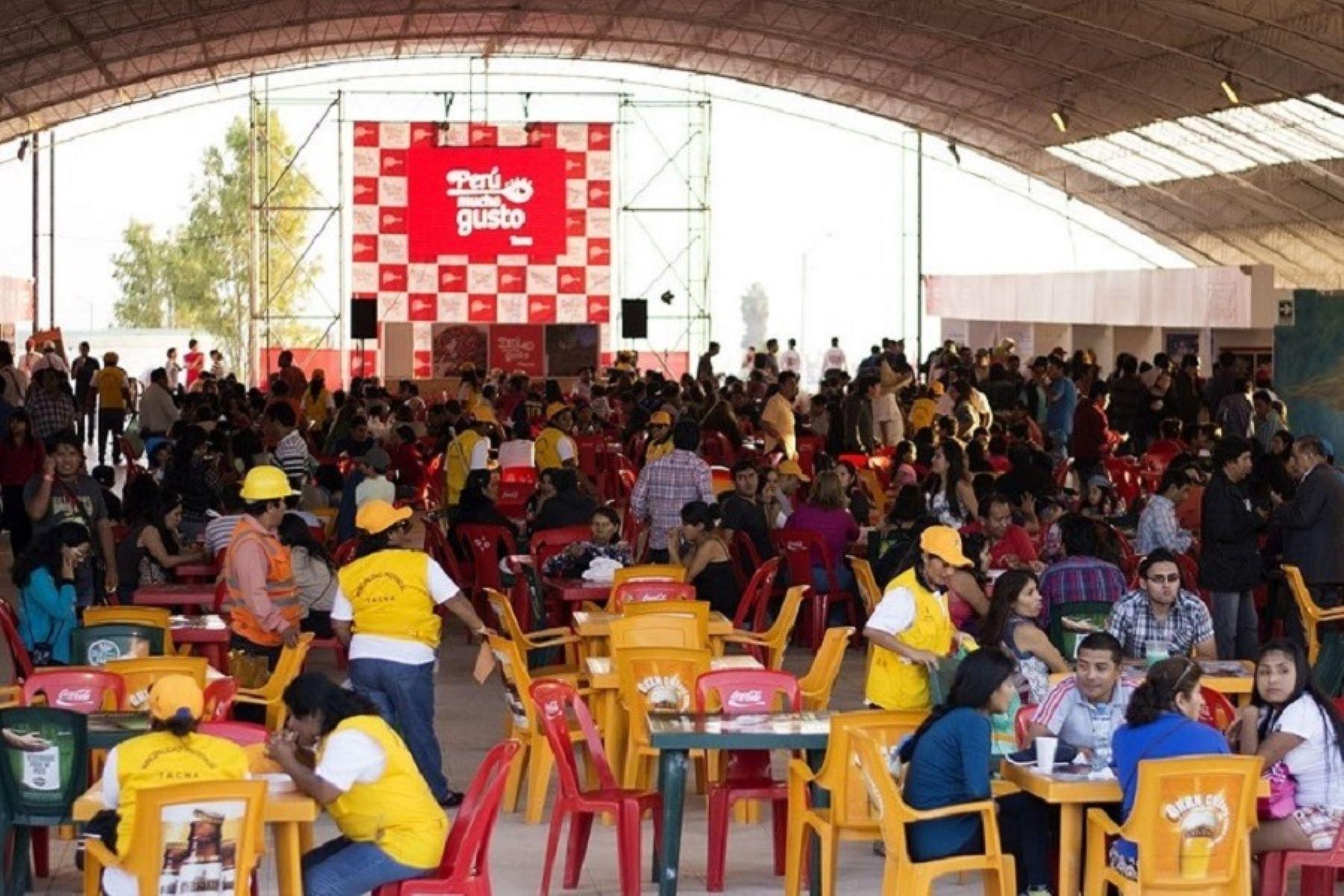 Puneños disfrutan de feria gastronómica Perú, Mucho Gusto. Foto: ANDINA/Difusión.