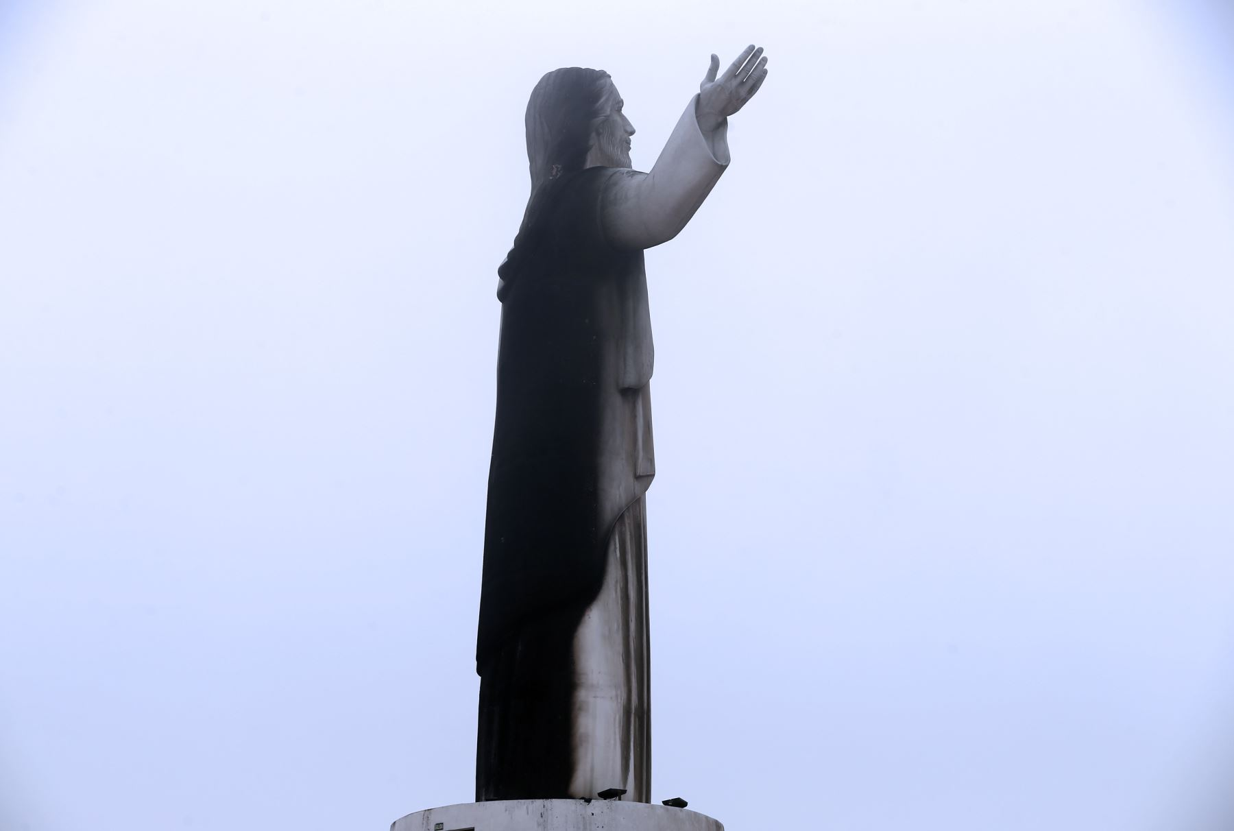 Incendio afectó monumento Cristo del Pacífico — Papa Francisco