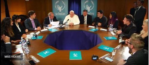 El encuentro con el Papa fue con once Youtubers en el Vaticano.