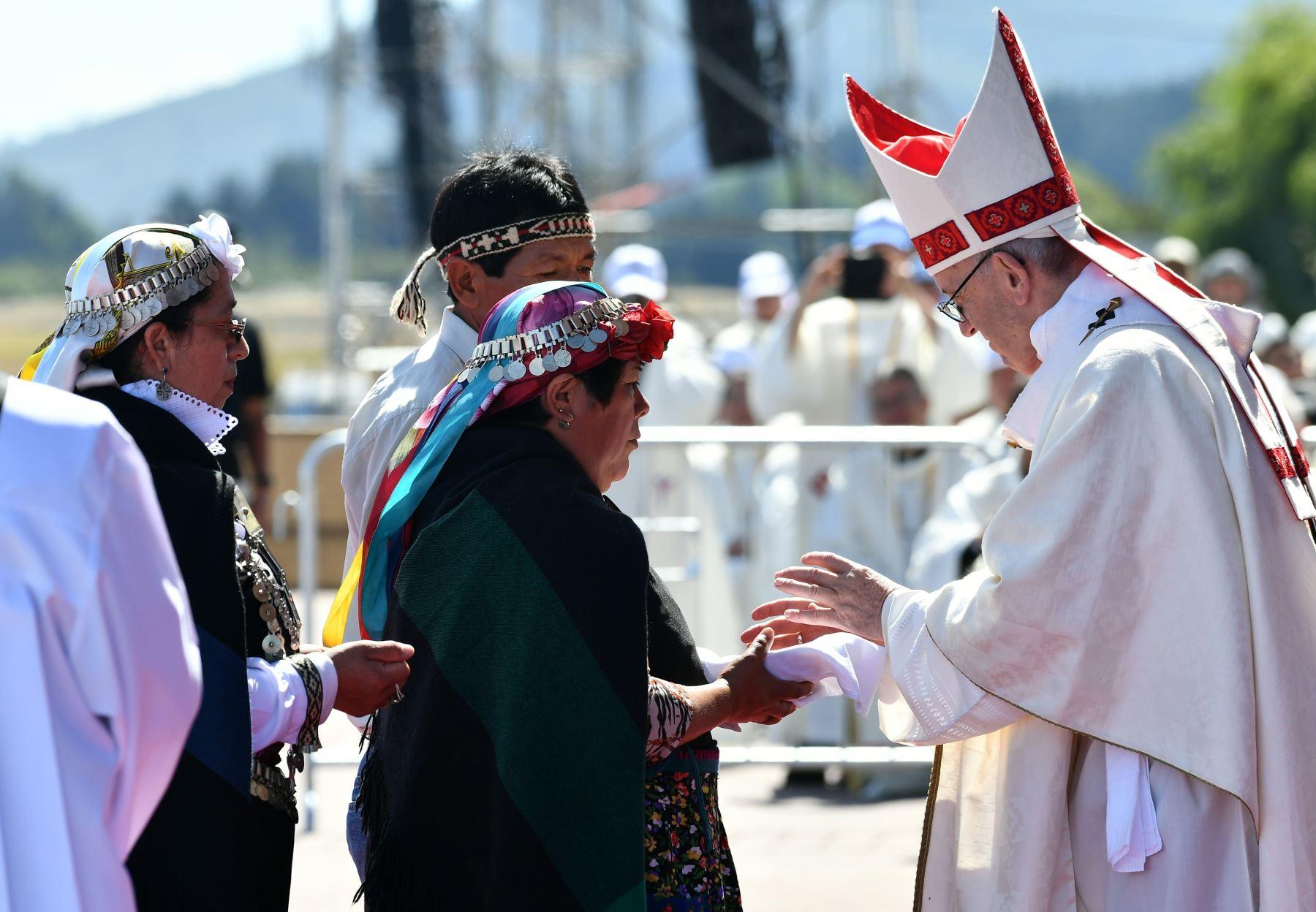 El Papa llegó a Temuco en plena tensión por el conflicto mapuche